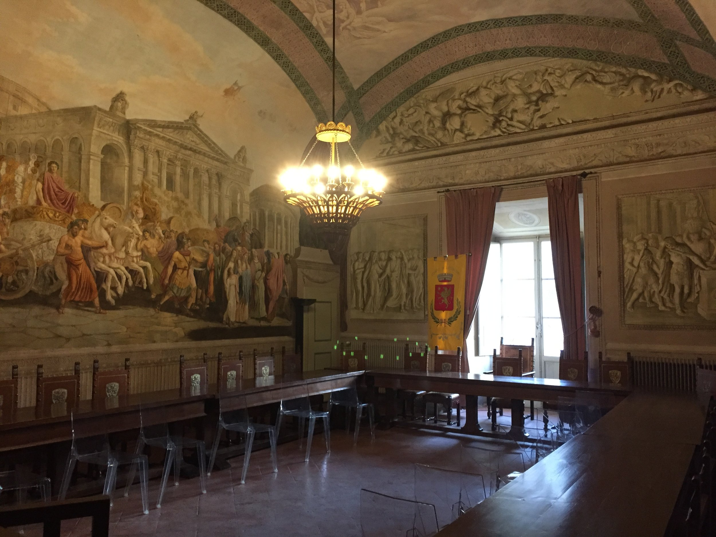 Frescoes in the Lucignano town council chamber.JPG