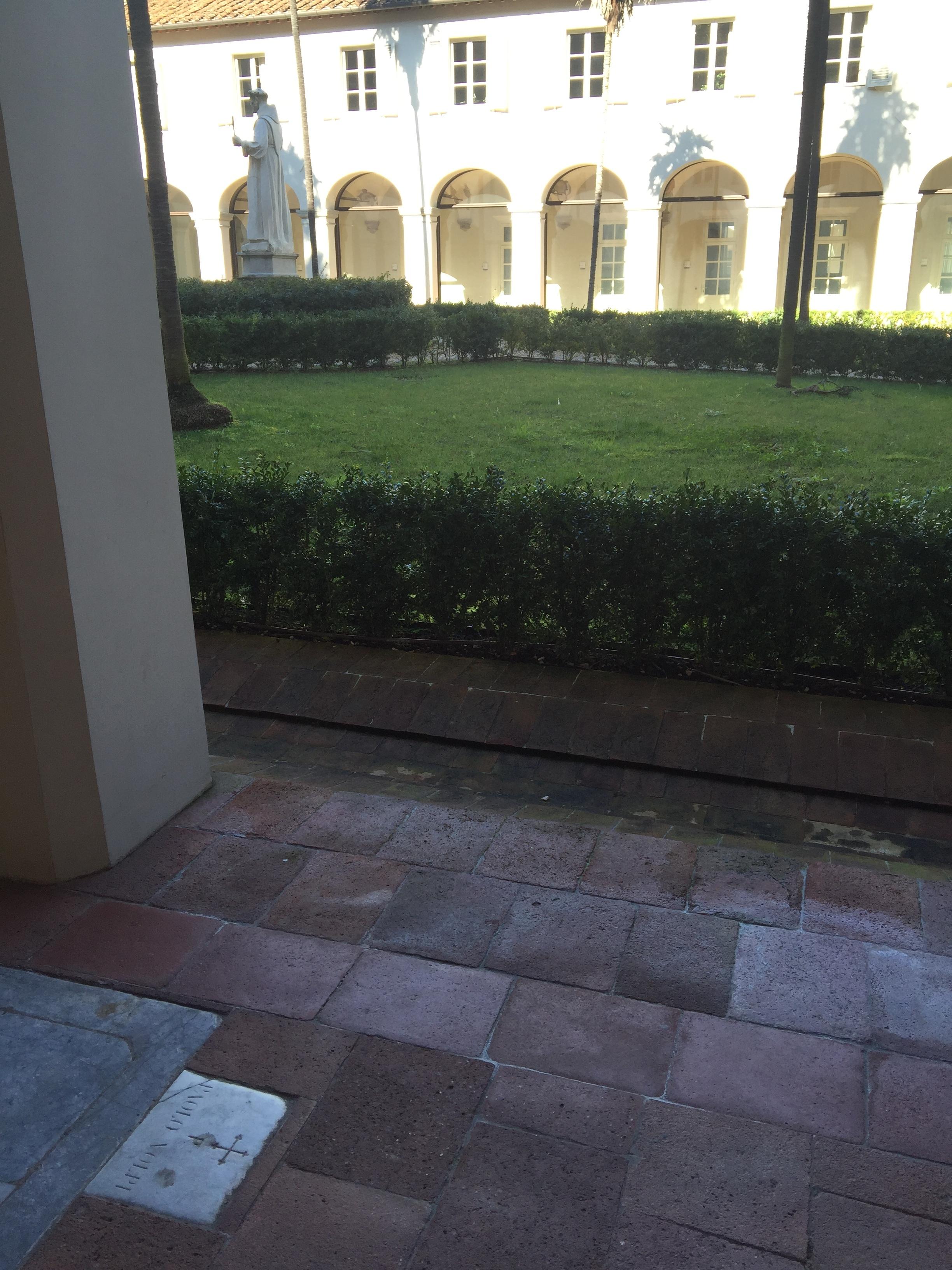 cloister2.jpg