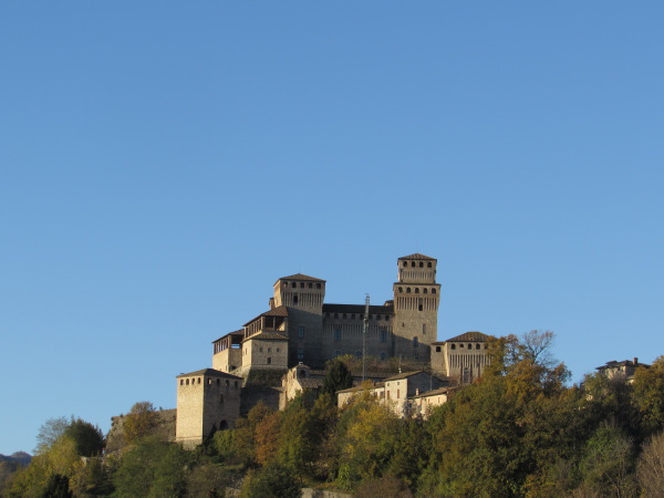 2 Torrechiara.jpg