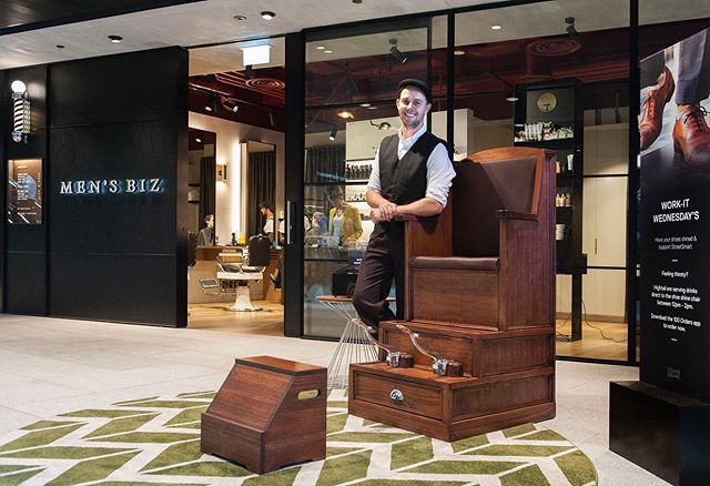 A haircut and shoeshine = a match made in heaven  #collinssquare #shoeshine #mensbiz #barber #melbourne #mensstyle #docklandsmelbourne #melbourneshoeshine