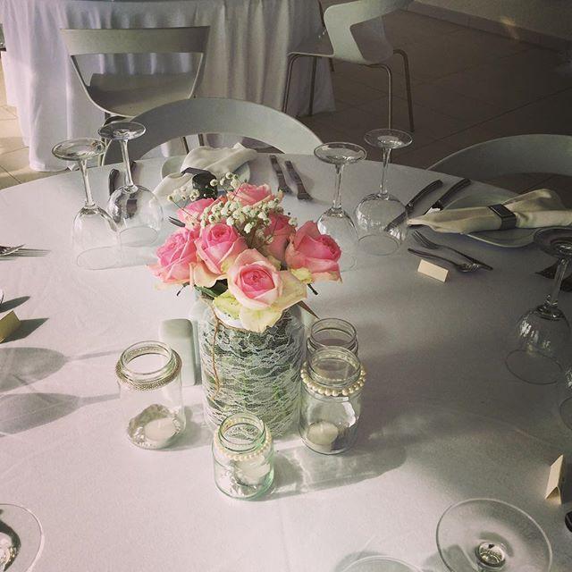 Elegant, simple table decoration.