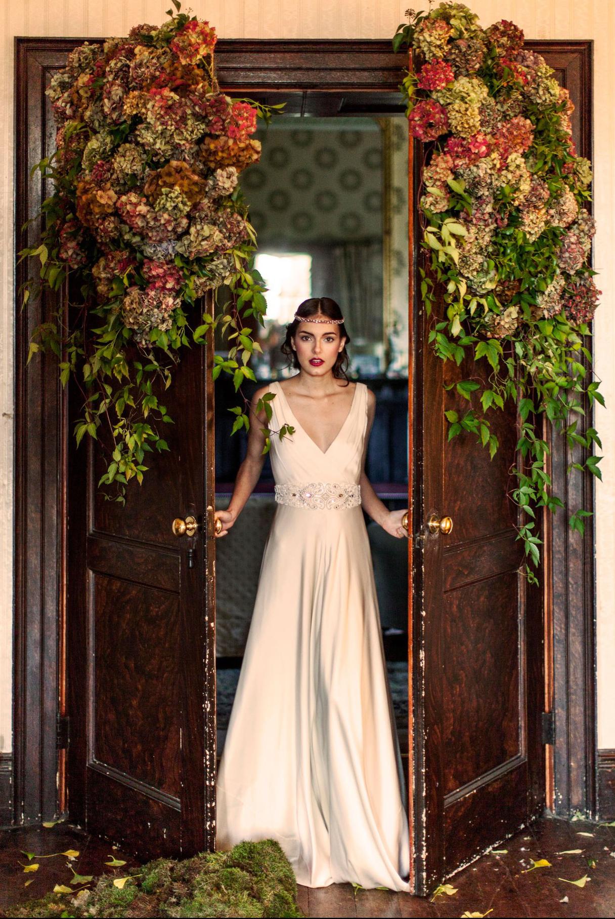 Shot3-pennard-house-brides-9jan14_EmmaLewis_b.jpg