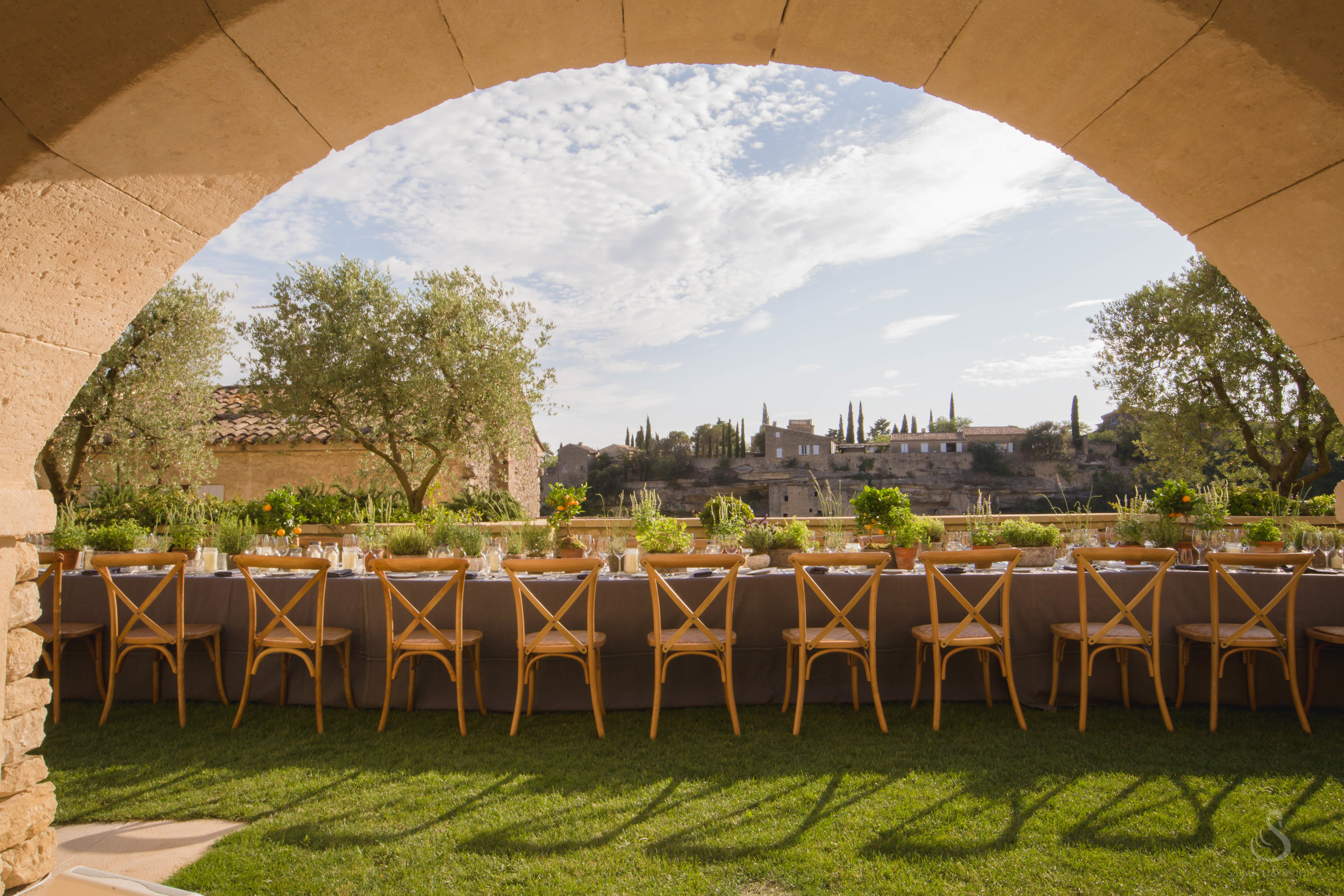 luxury-destination-wedding-Provence-France-sarah-haywood-copyright-Filmatography.24.jpg