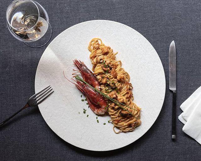 🇮🇹 Qualche giorno fa ti abbiamo parlato della nostra pasta artigianale e biologica. Oggi vogliamo farti vedere cosa ne facciamo di quella pasta: tagliolini in rosso ai frutti di mare. Cosa te ne pare? 🇬🇧 A few days ago we told you about our organic homemade pasta. Today we'd like to show you what we do with it: tomato sauce tagliolini with seafood. How about that? . . . #reteodorico #castelsanpietro #verona #verona🇮🇹 #veronacity #castelsanpietroverona #restaurant #ristorante #seafood #fruttidimare #tagliolini #foodphotography #foodphotooftheday #foodpix #italianfood #italianrestaurant #cucinamediterranea #cucinaitaliana #saporiitaliani #sapori #beautifulfood #besteats