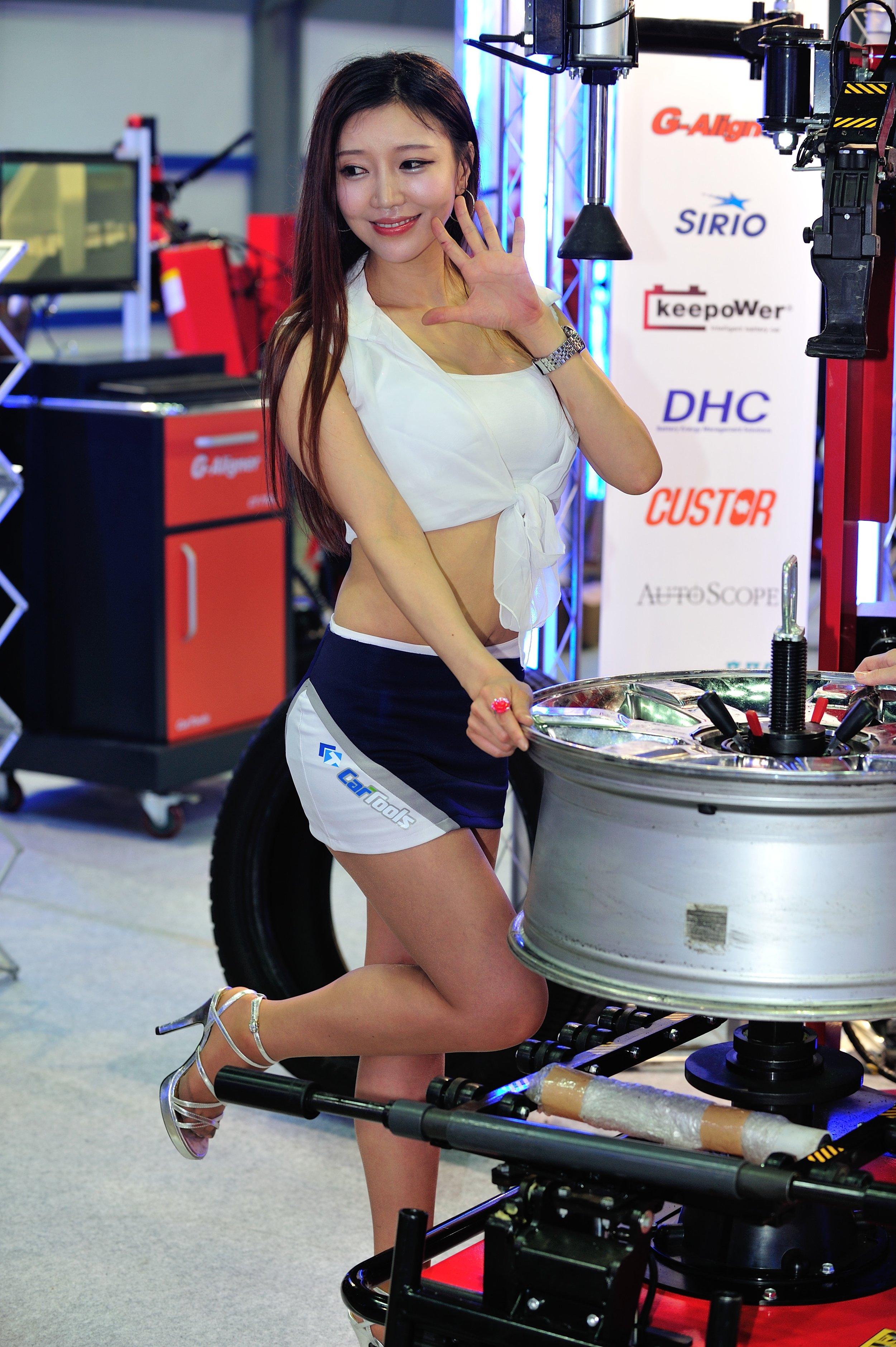 Seoul Auto Salon 2013 Model