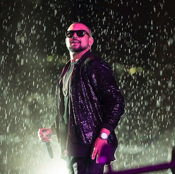 sean paul   sequin jacket for THe 'no lie' video feat. dua lipa and world tour
