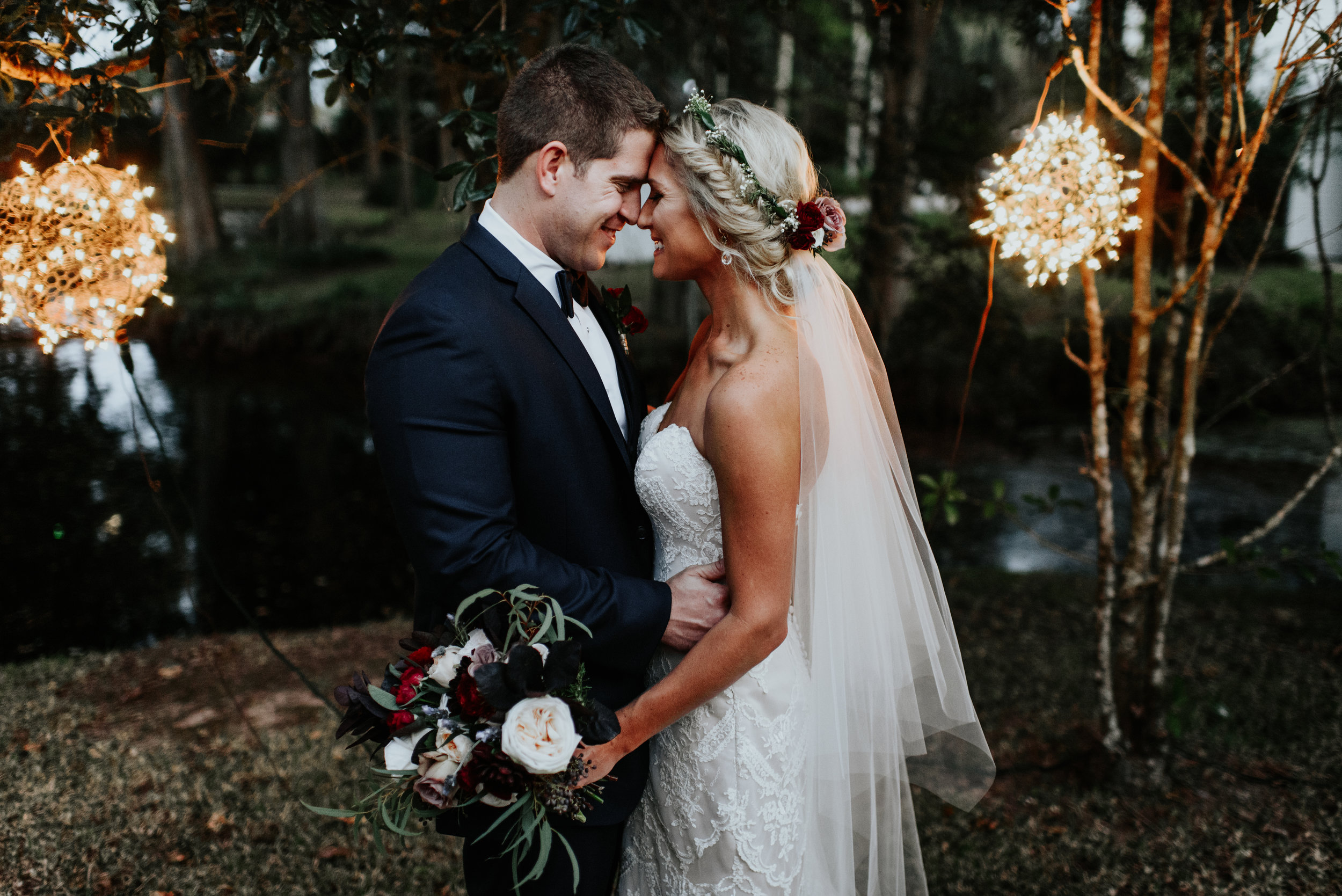 Southern Fete, Southern Wedding, Root Floral Design, Bride and Groom Moment, Hannah Mulligan Photography