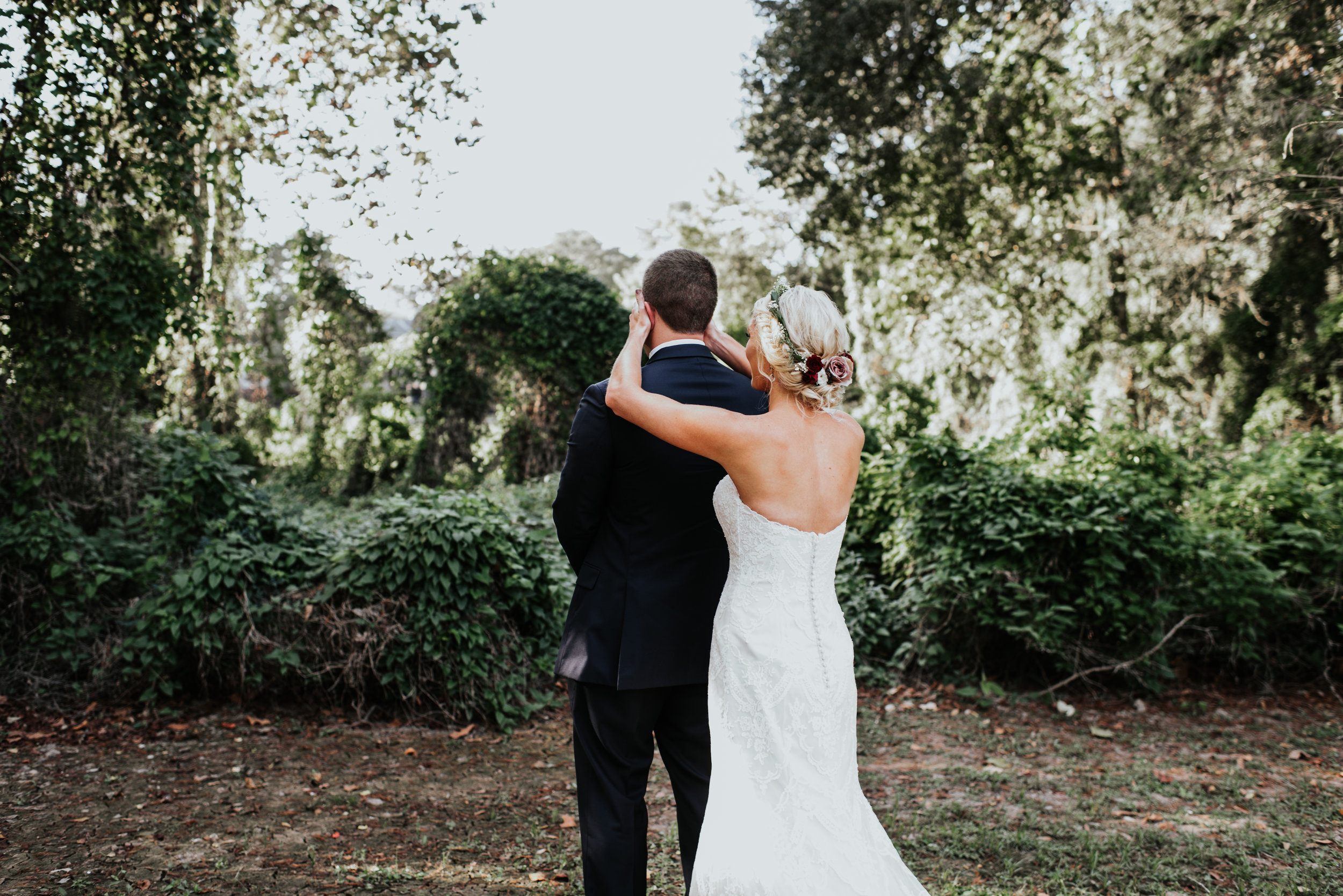 Southern Fete, Southern Wedding, Bride and Groom first look, Hannah Mulligan Photography