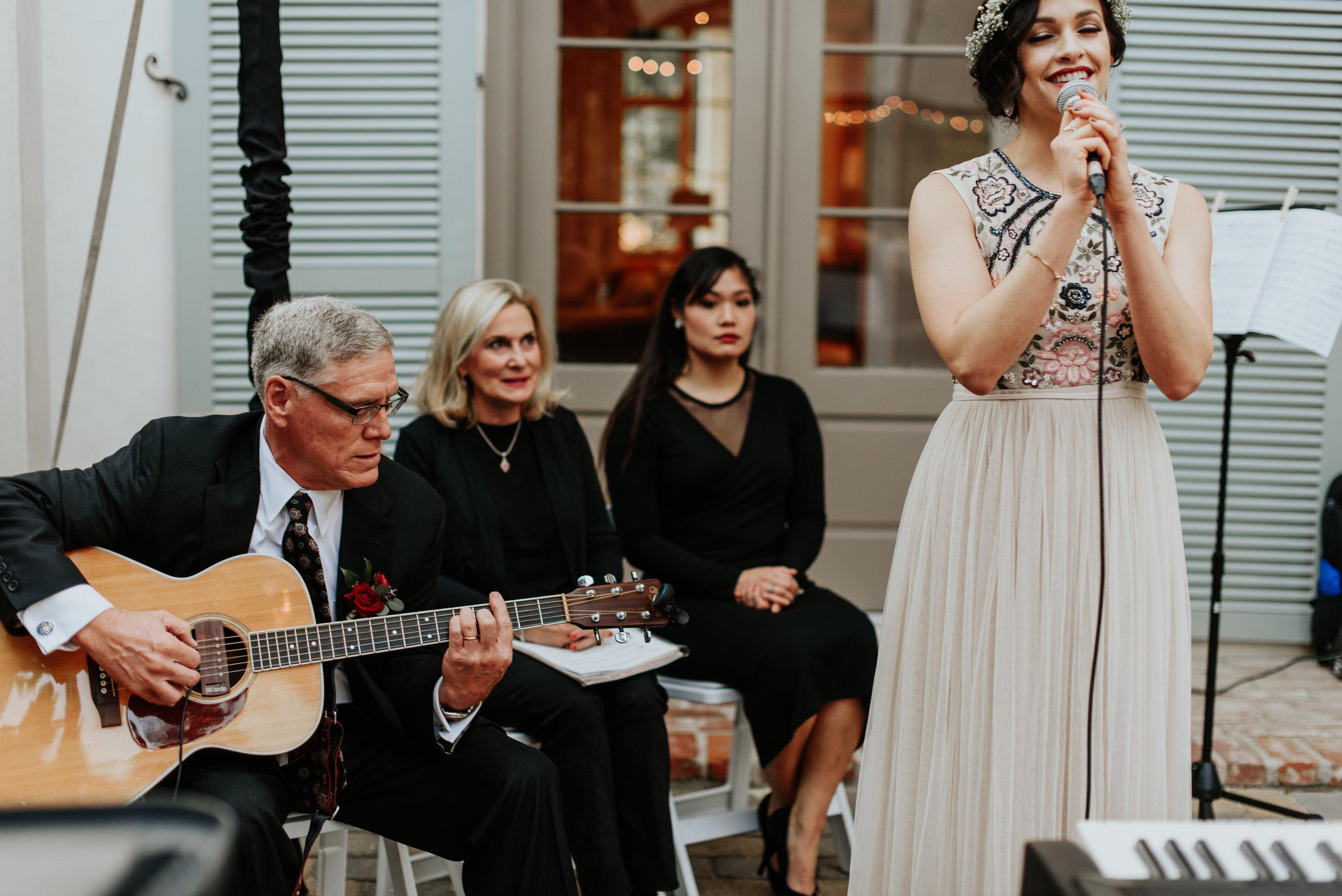 Southern Fete, Southern Wedding, Wedding singer, Hannah Mulligan Photography