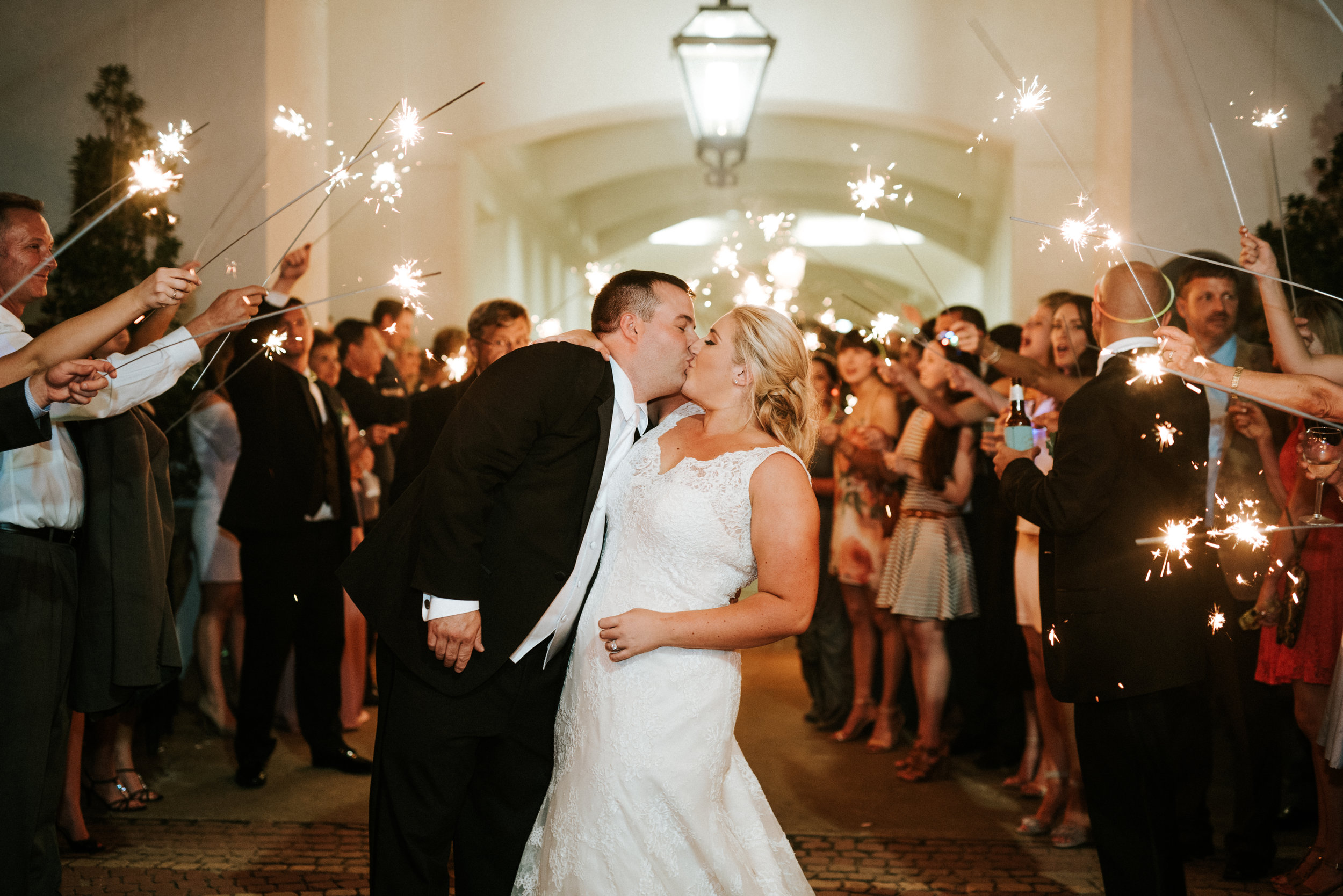 Southern Fete, Southern Wedding, Sparkler Exit, Bride and Groom, City Club River Ranch, Hannah Mulligan Photography