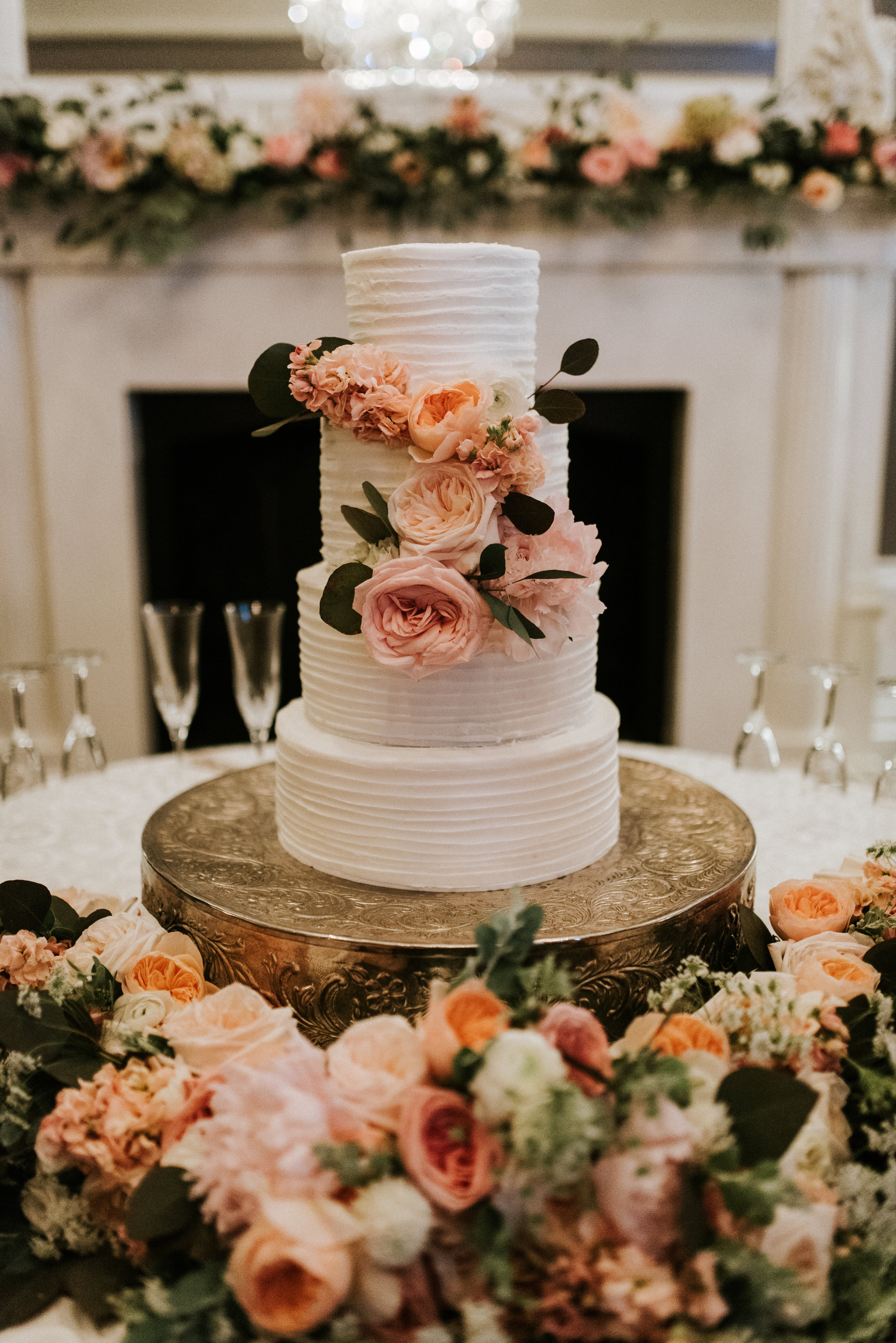 Southern Fete, Southern Wedding, Bride's cake, Root Floral Design, Blush and Coral Flowers, Hannah Mulligan Photography