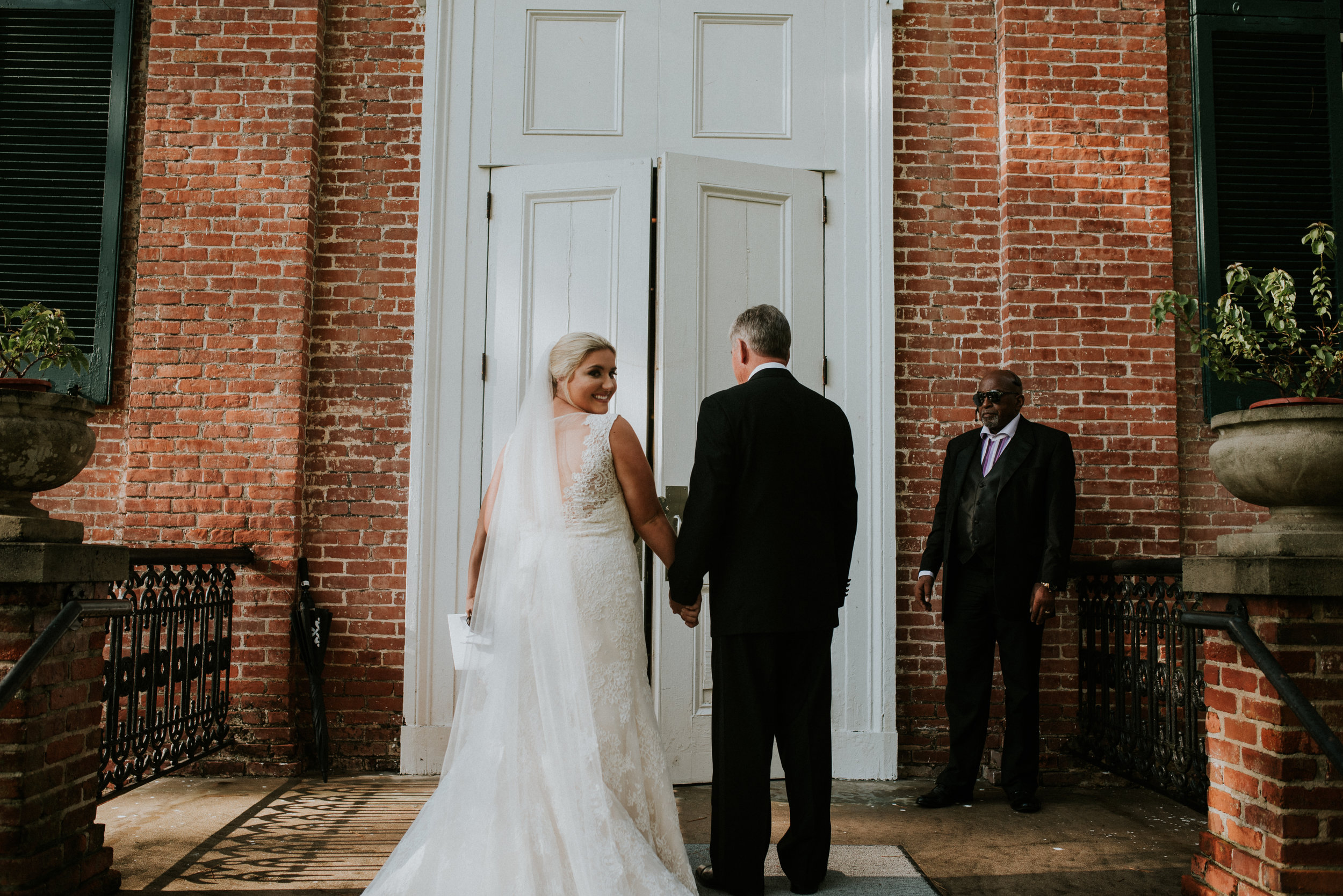 Southern Fete, Southern Wedding, Bride and Father, Hannah Mulligan Photography