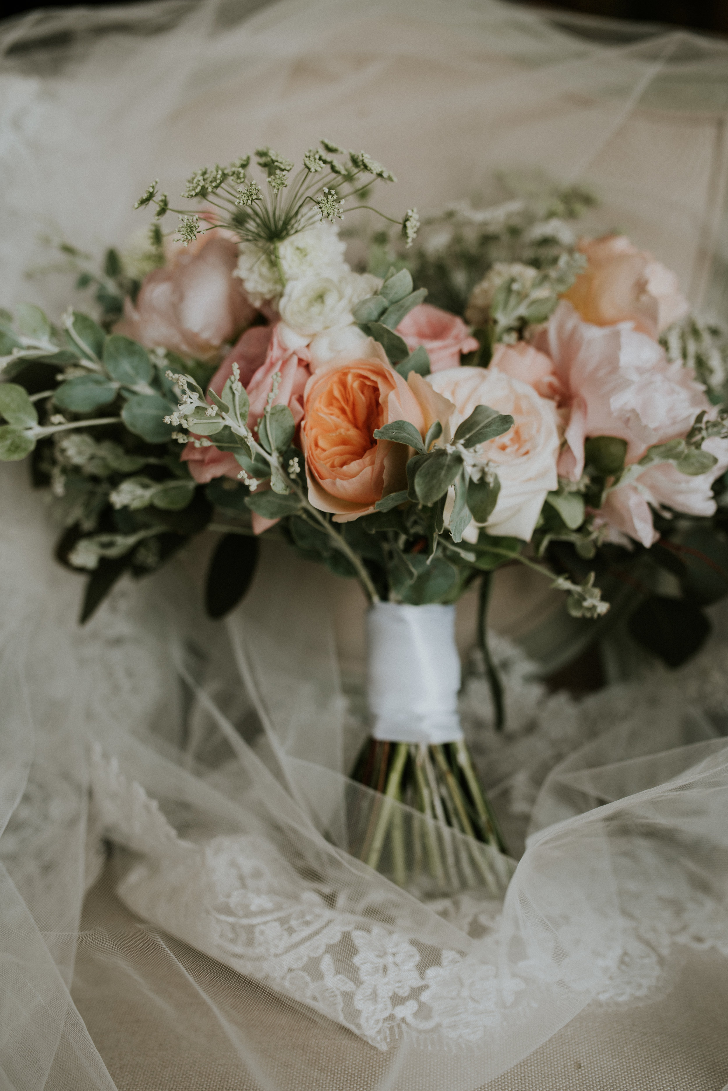 Southern Fete, Southern Wedding, Root Floral Design, Blush and Coral Flowers, Hannah Mulligan Photography