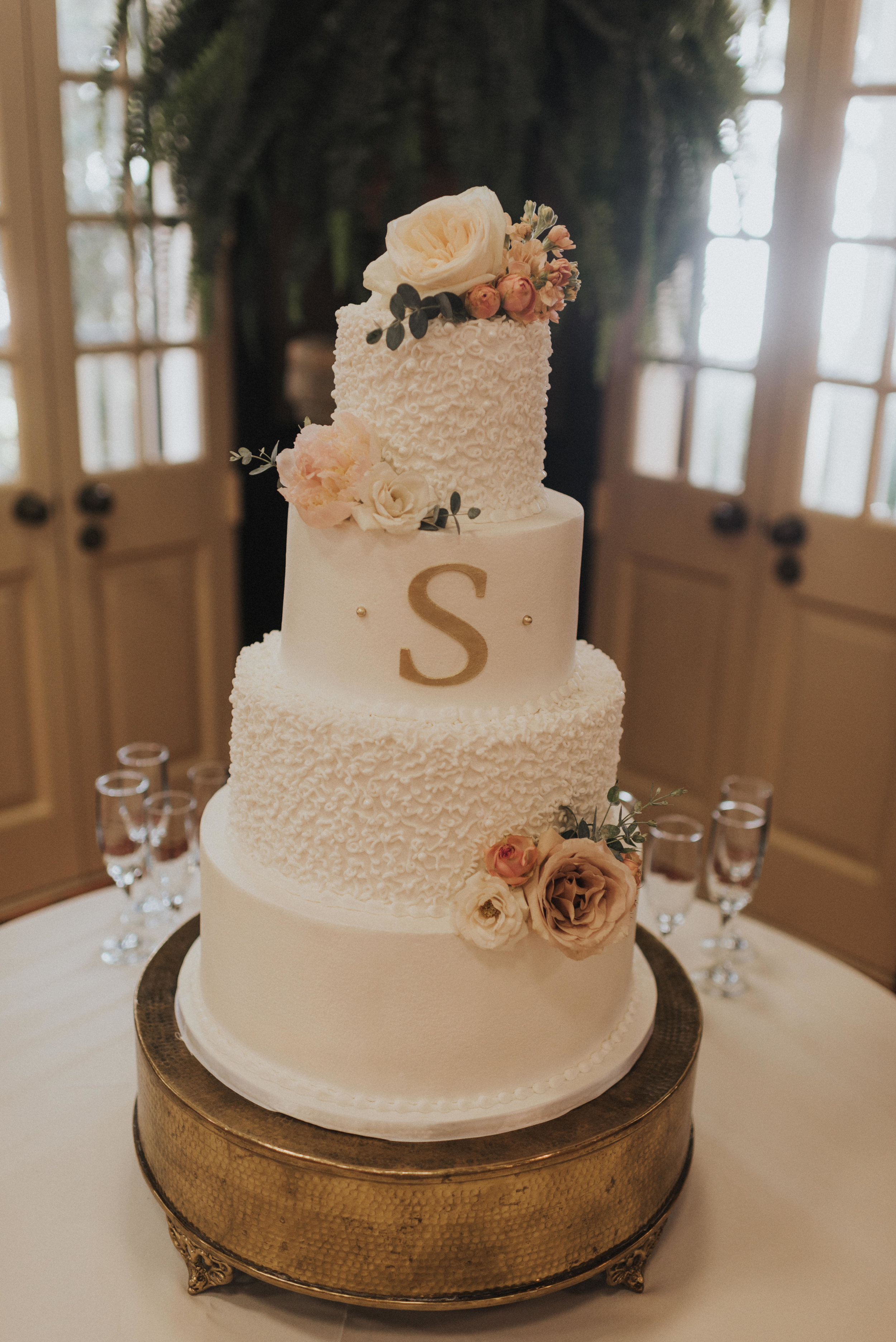 Southern Fete, Southern Wedding, Sky's the Limit, Bride's cake, Root Floral Design