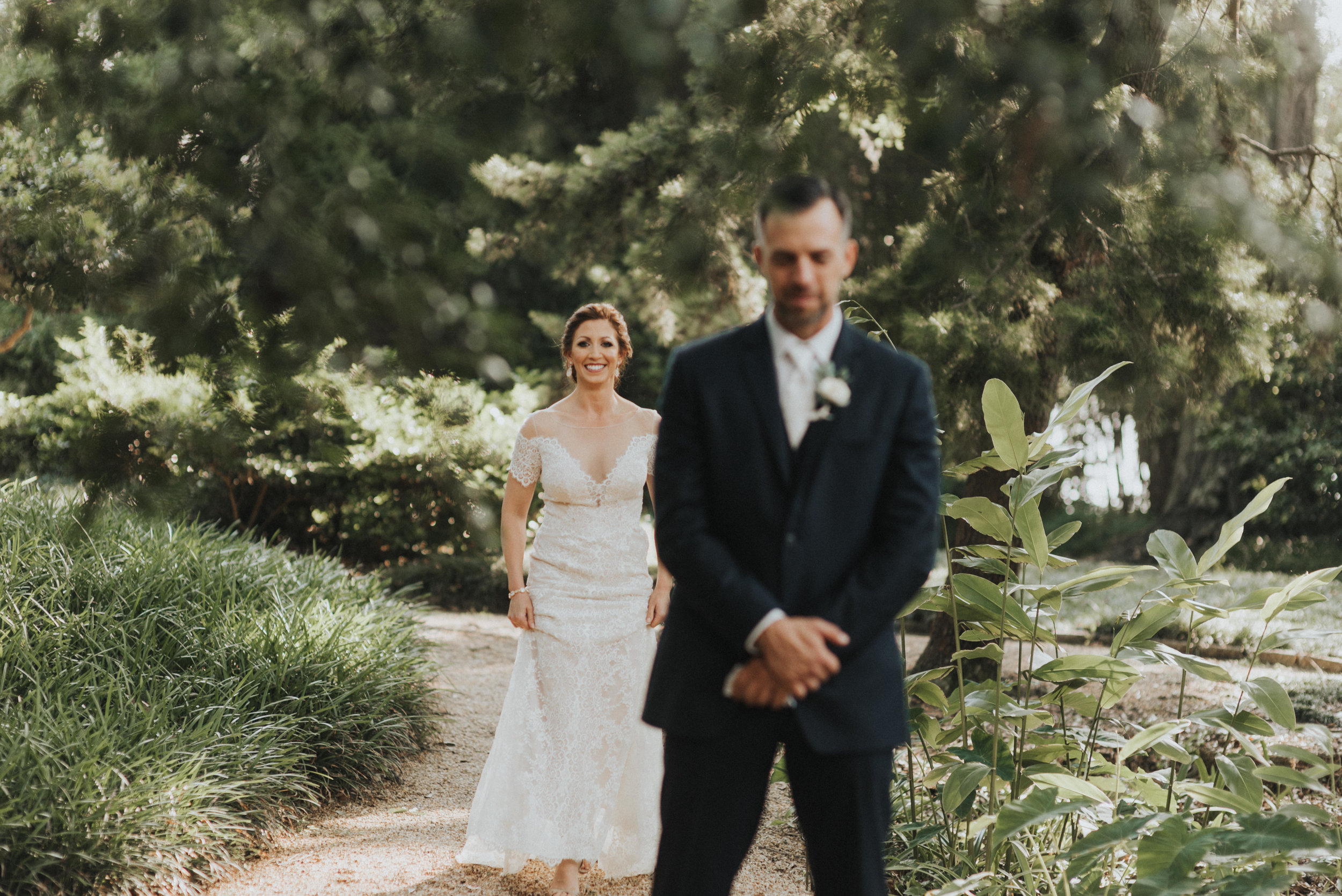 Southern Fete, Southern Wedding, Bride and Groom first look, Erin and Geoffrey Photography