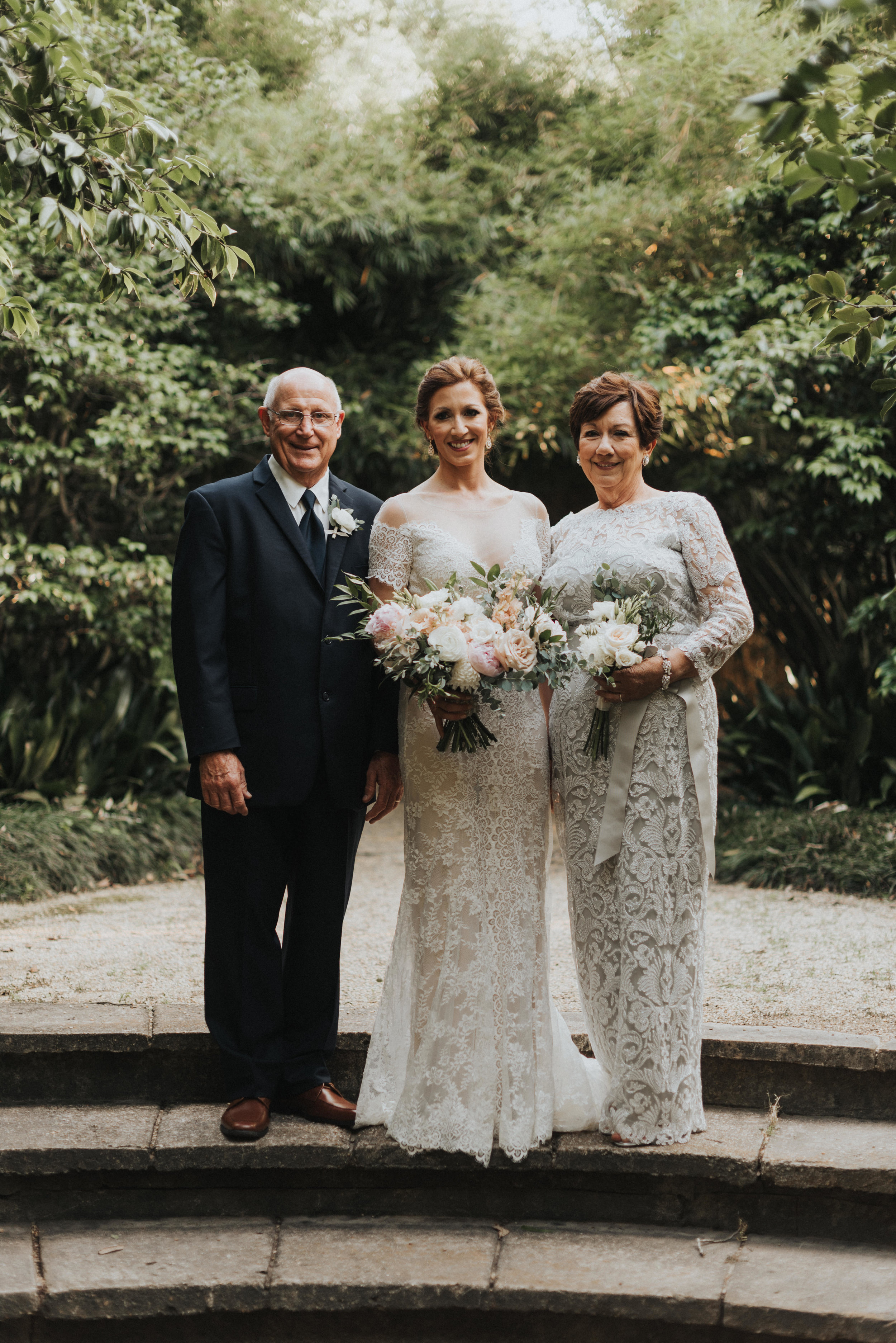 Southern Fete, Southern Wedding, Bride and her parents, Erin and Geoffrey Photography