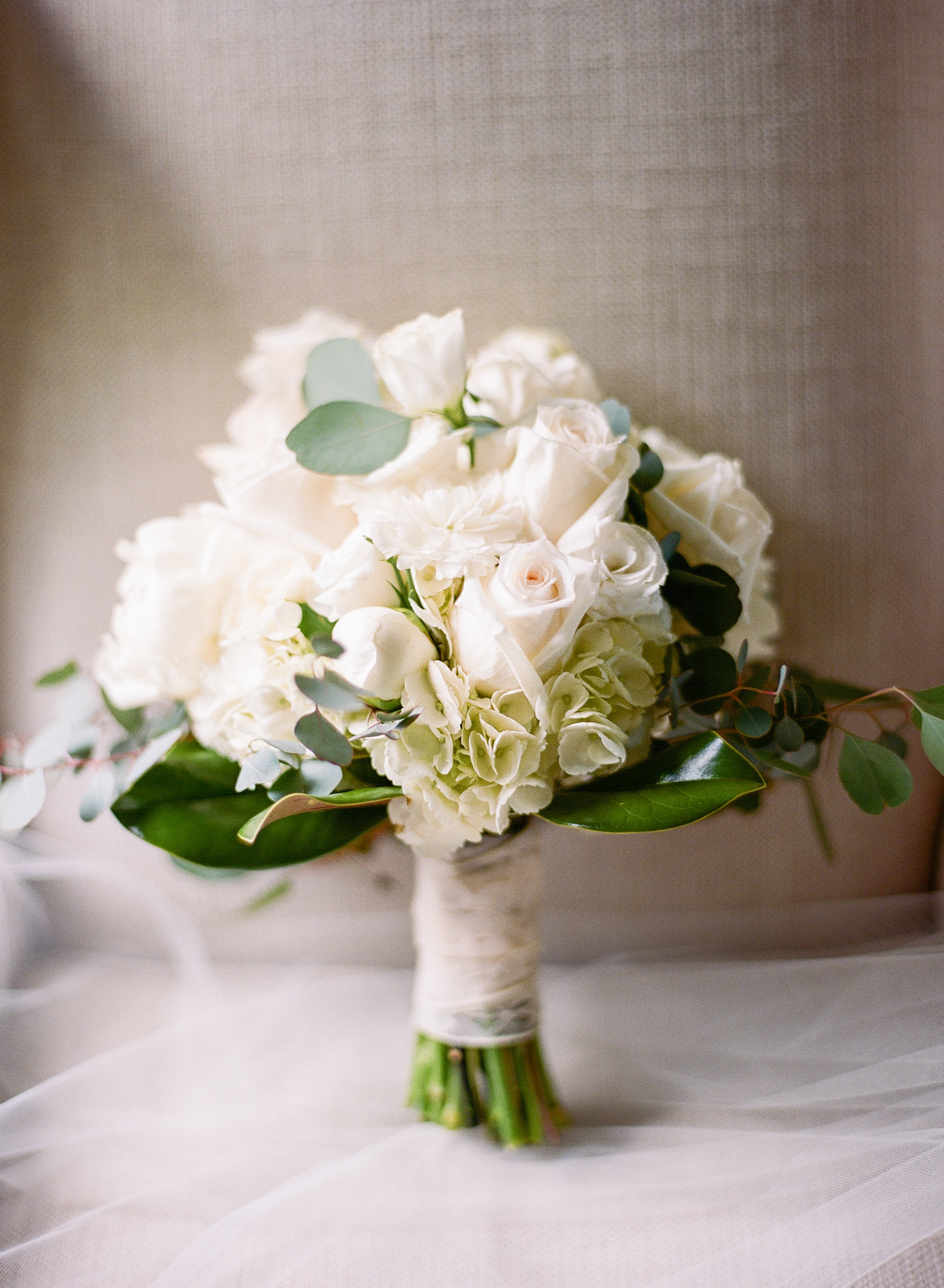 Southern Fete, Southern Wedding, Flowers by Rodney, Catherine Guidry Photography, White and Green Flower Bouquet