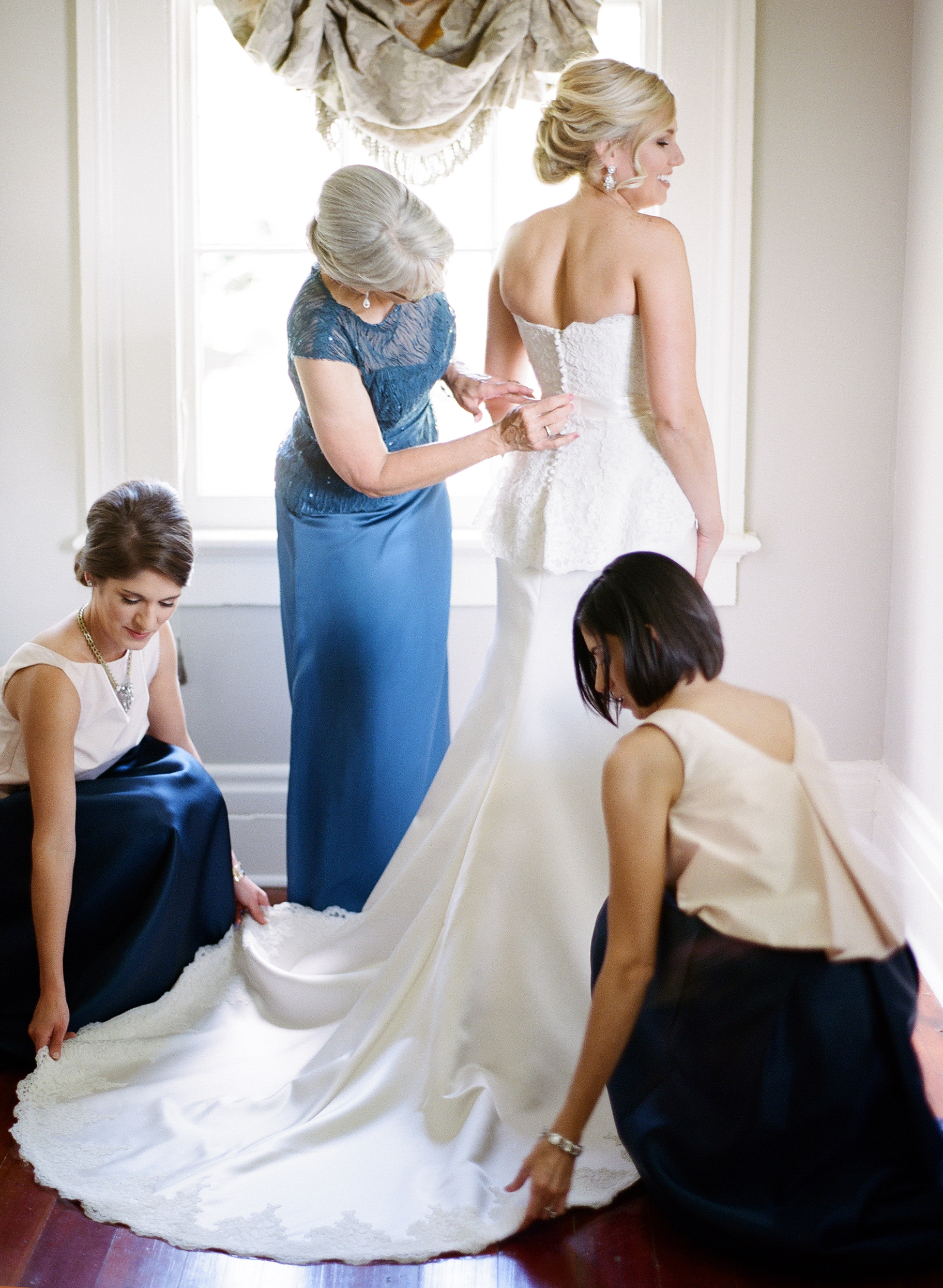 Southern Fete, Southern Wedding, Bride, Mother of the Bride and Bridesmaid, Catherine Guidry Photography