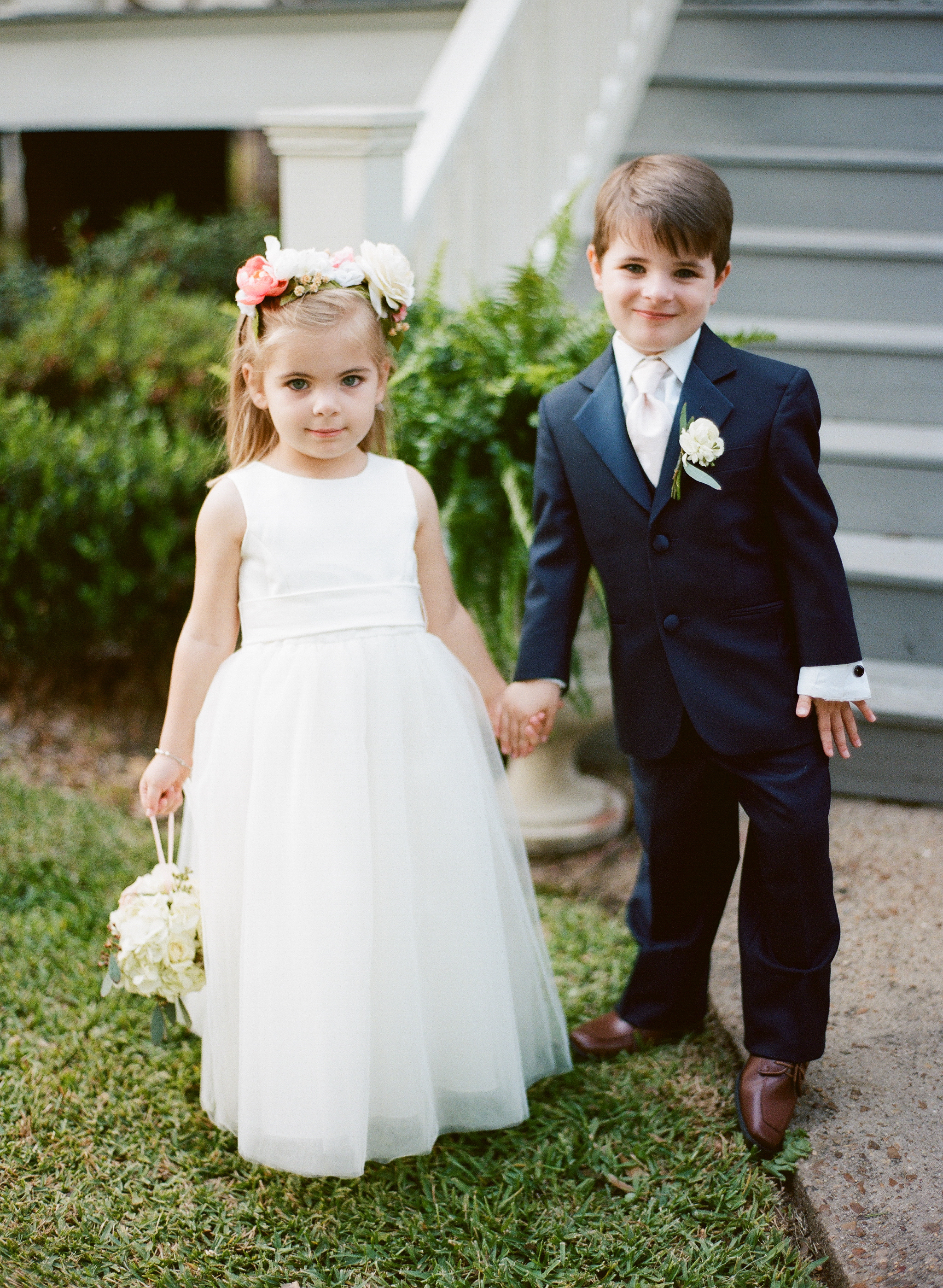 Southern Fete, Southern Wedding, Flower girl, Catherine Guidry Photography