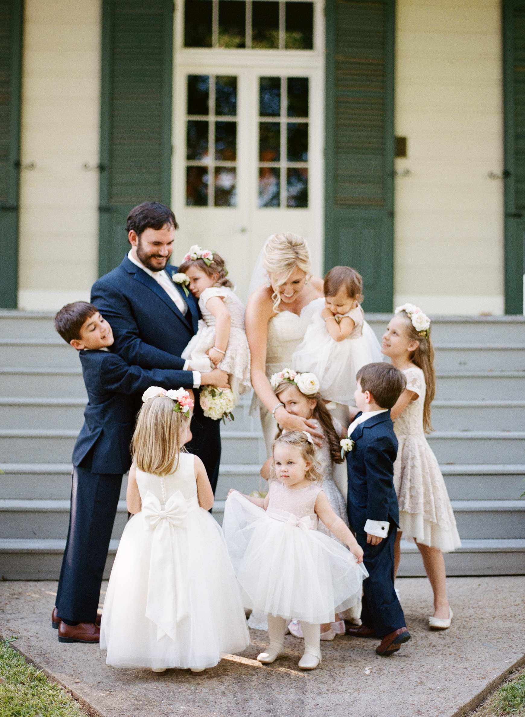 Southern Fete, Southern Wedding, Family Picture with all Children, Catherine Guidry Photography