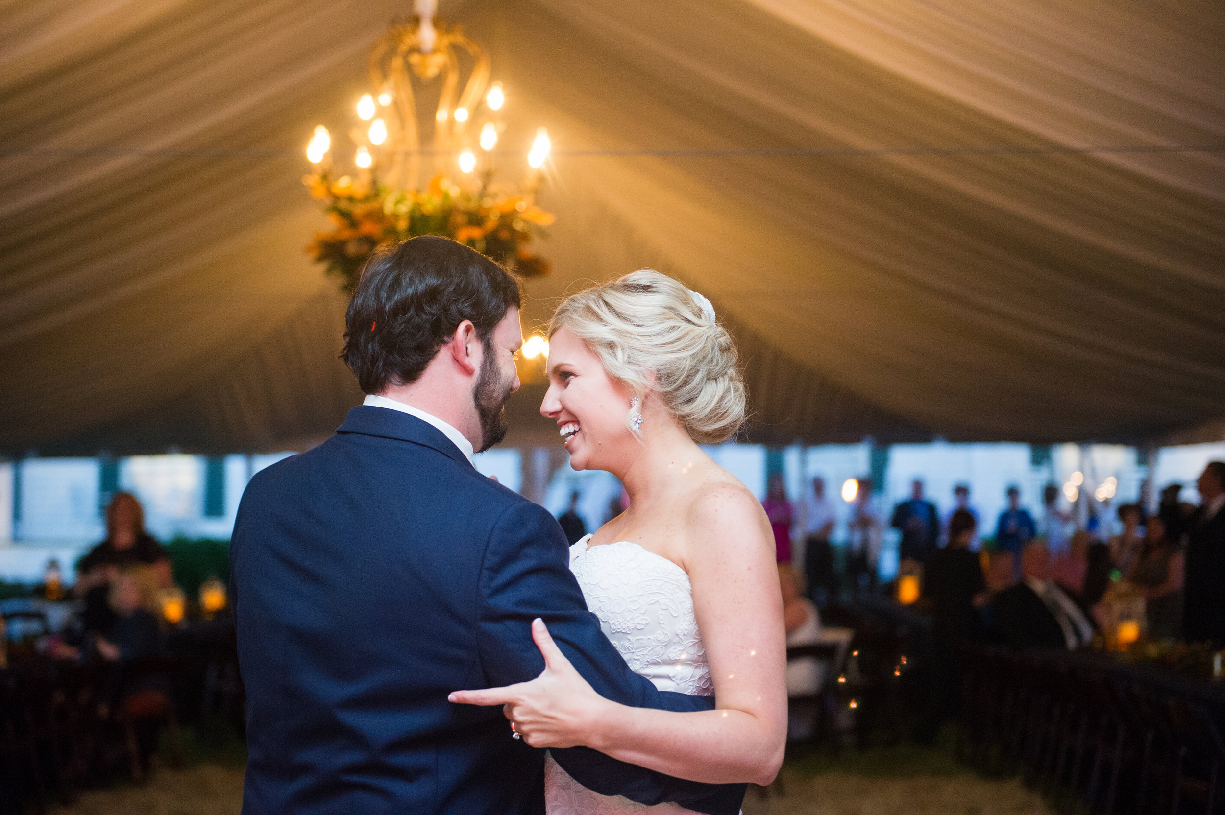 Southern Fete, Southern Wedding, Bride and Groom first dance, Bottoms Up, Catherine Guidry Photography, Styled by Michelle Judice
