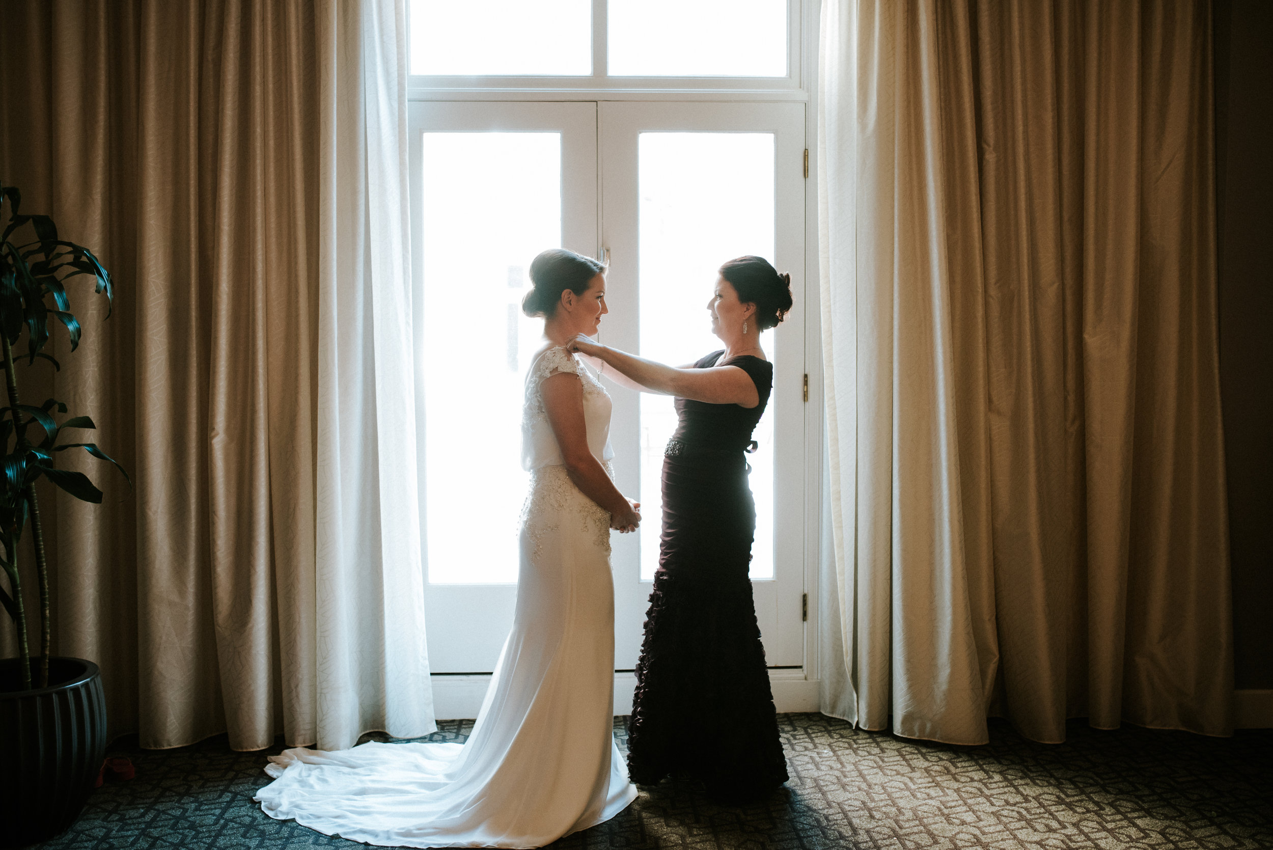 Southern Fete, Southern Wedding, Bride and her Mom, Hannah Mulligan Photography