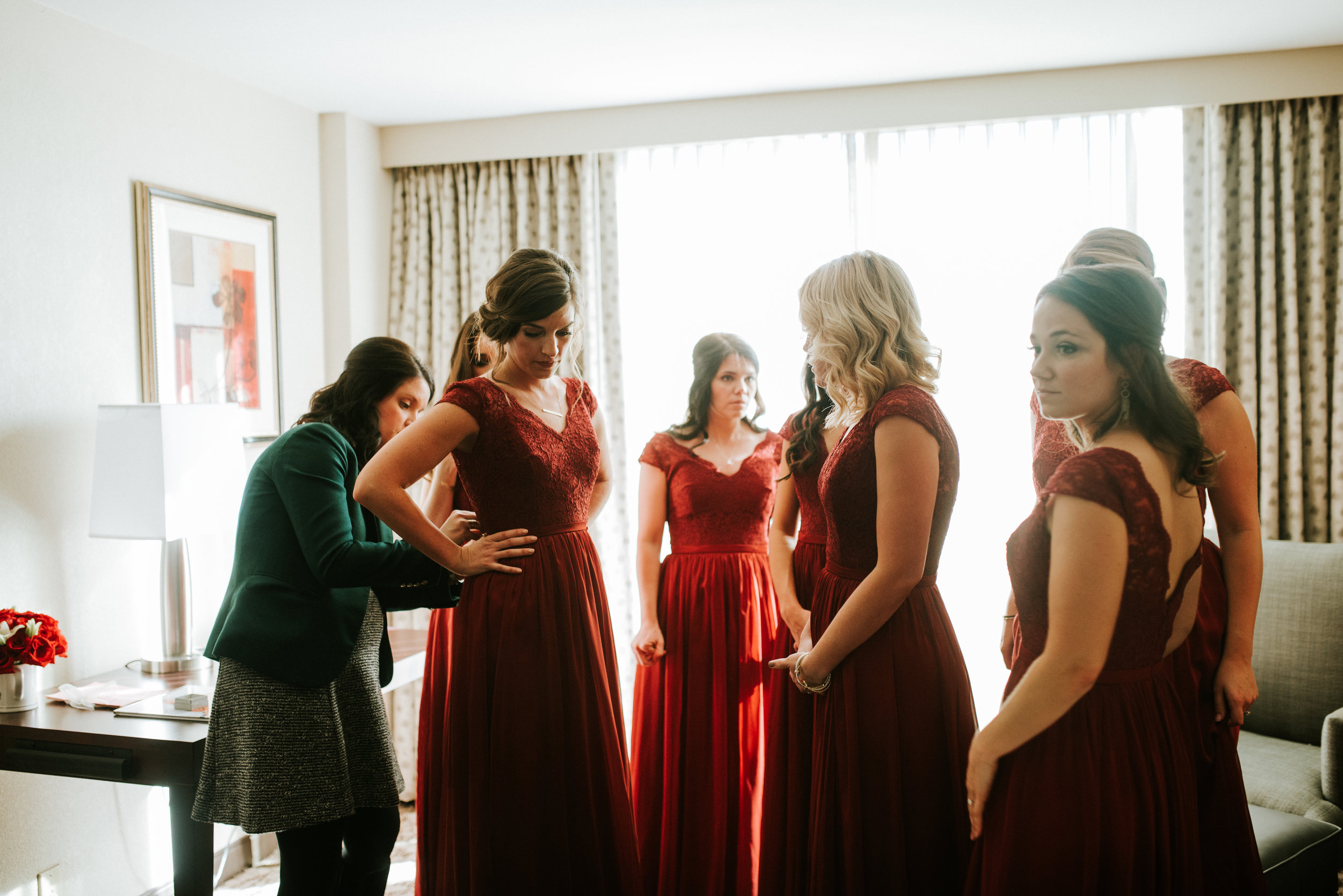 Southern Fete, Southern Wedding, Bridesmaids getting ready, Hannah Mulligan Photography