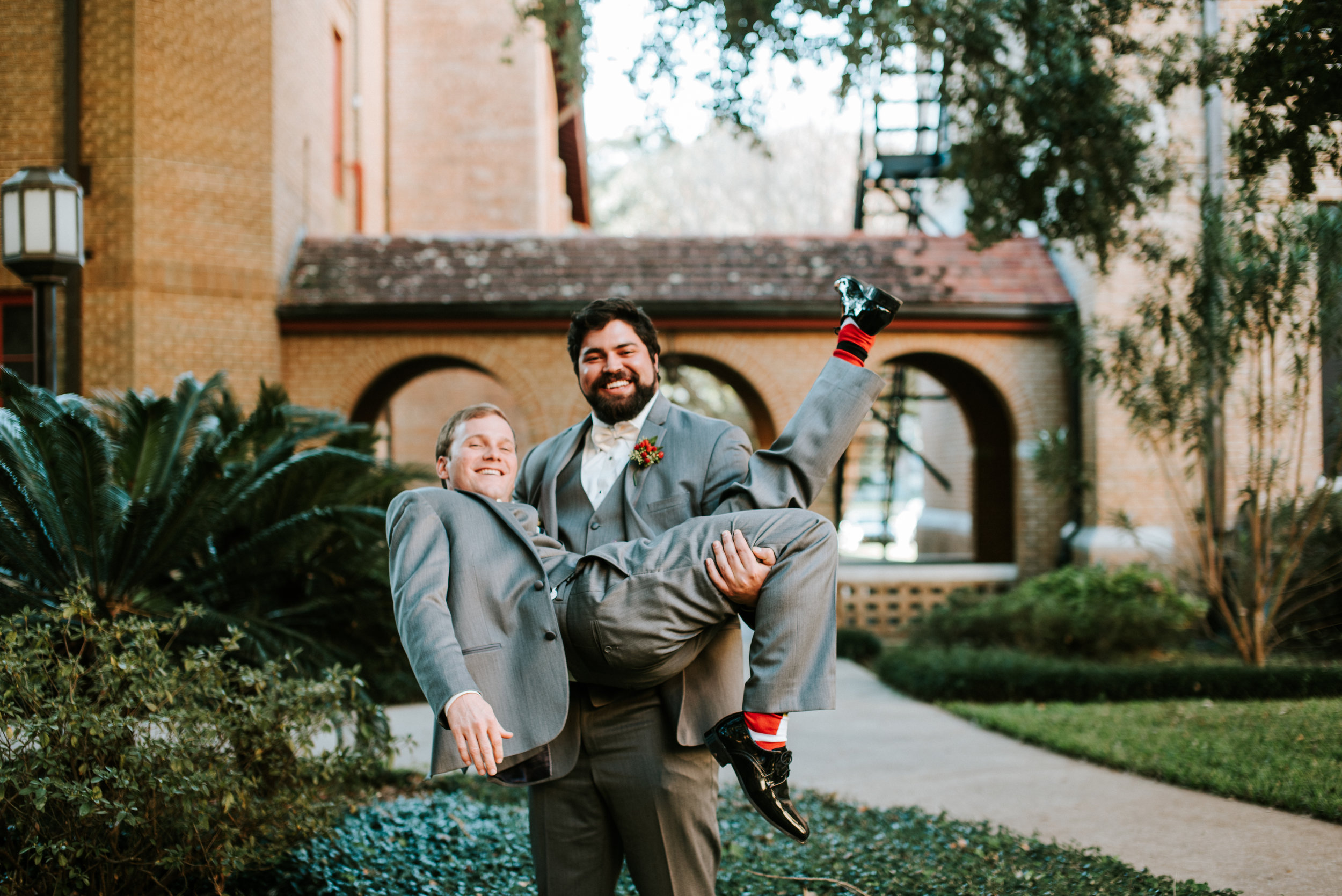 Southern Fete, Southern Wedding, Hannah Mulligan Photography, Groom and best friend