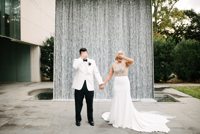 Southern Fete, Southern Wedding, First Look, Hannah Mulligan Photography, Paul and Lulu Hilliard Art Museum