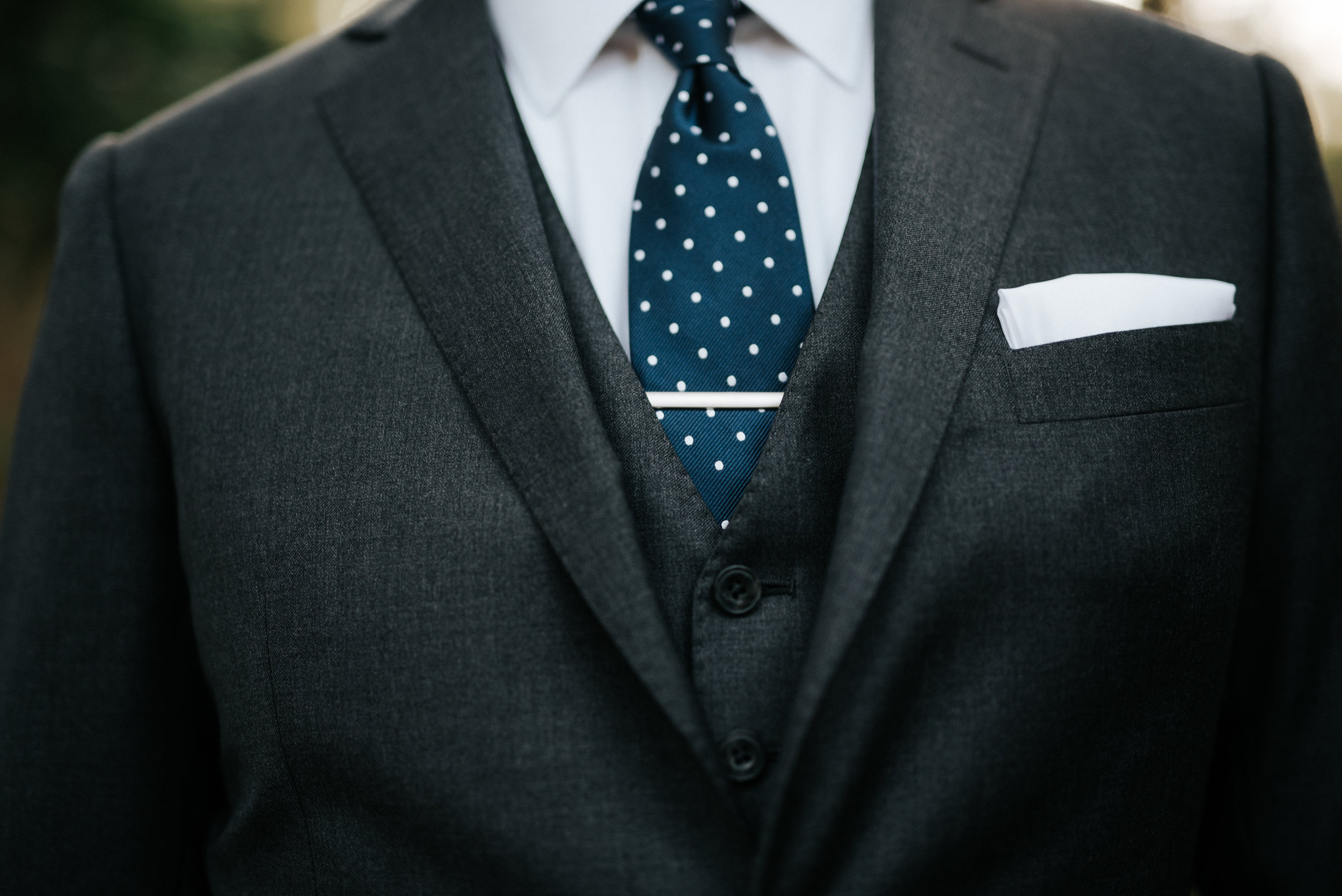 Southern Fete, Southern Wedding, Groom's Tux, Hannah Mulligan Photography