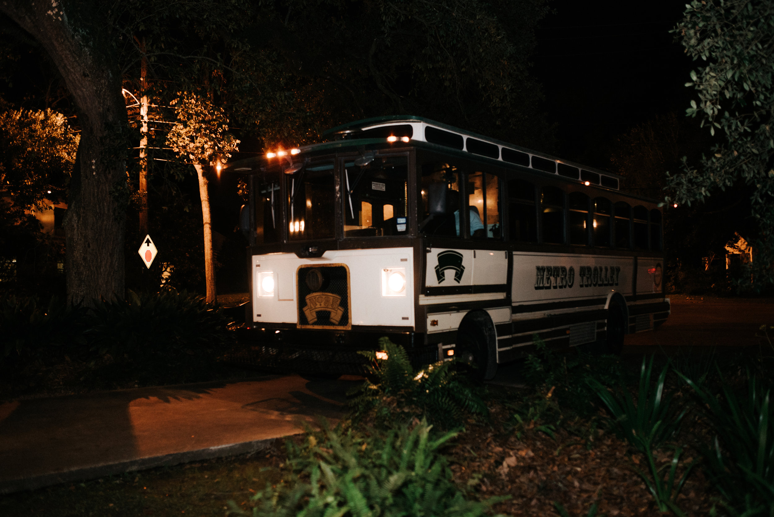 Southern Fete, Southern Wedding, Metro Trolley, Hannah Mulligan Photography