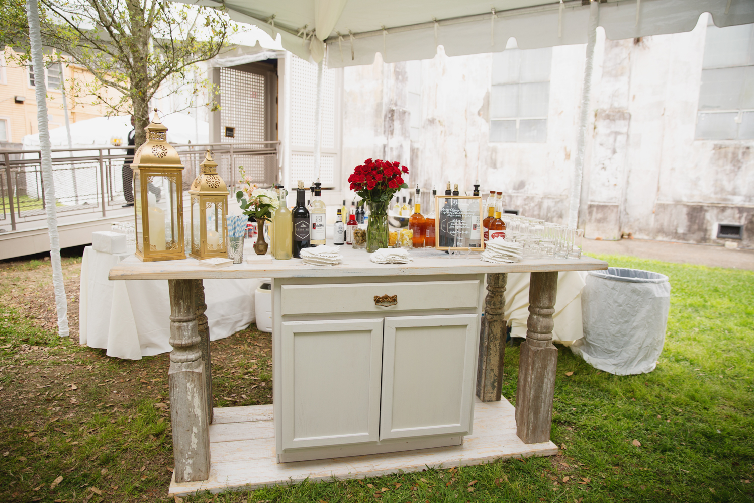 Southern Fete, Southern Wedding, Distressed Rentals, Firefly Ambiance, Debbie does Doberge, E Ray Photo