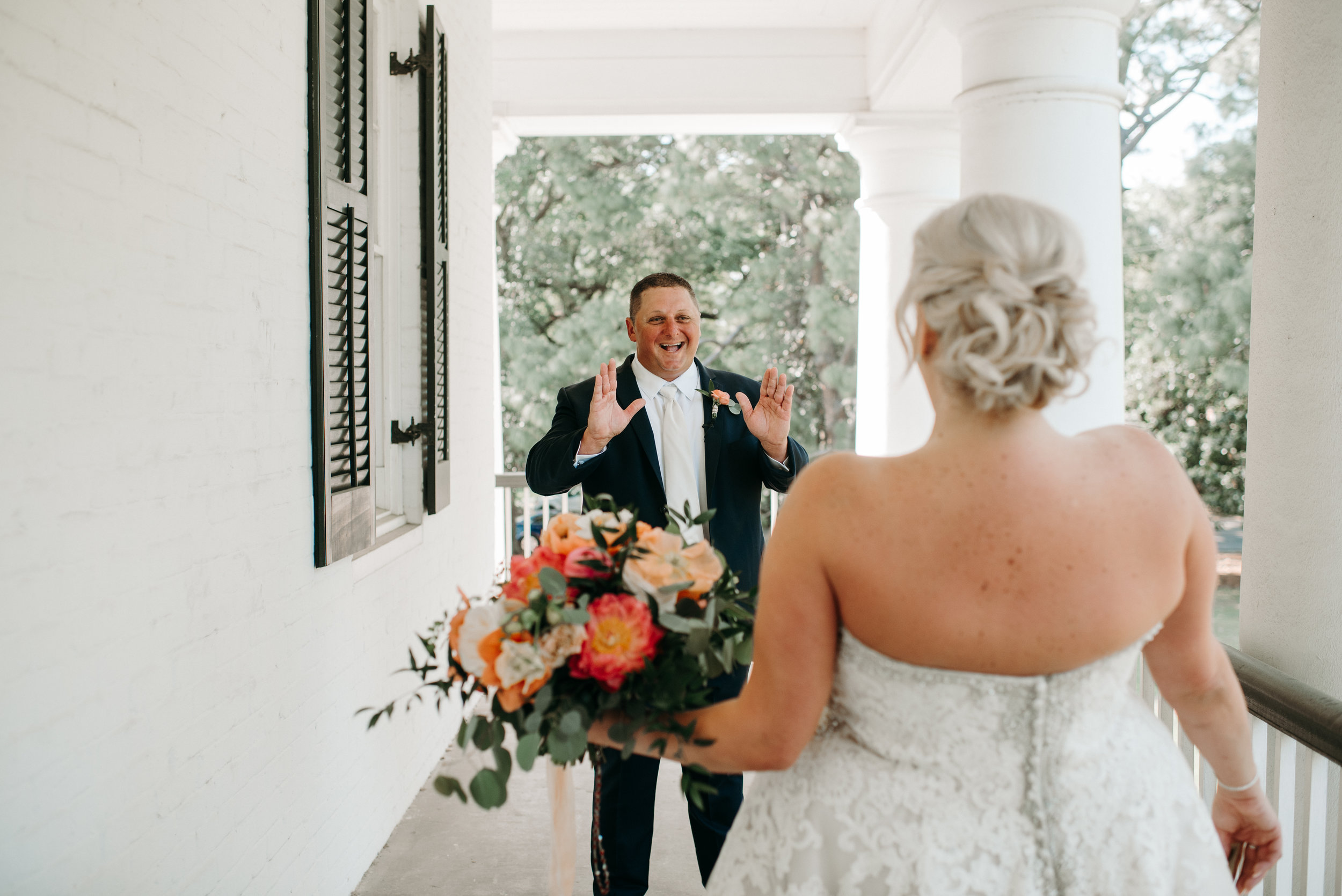 Southern Fete, Southern Wedding, Bride and Groom, First Look, Paul and Lulu Hilliard Art Museum, Hannah Mulligan Photography