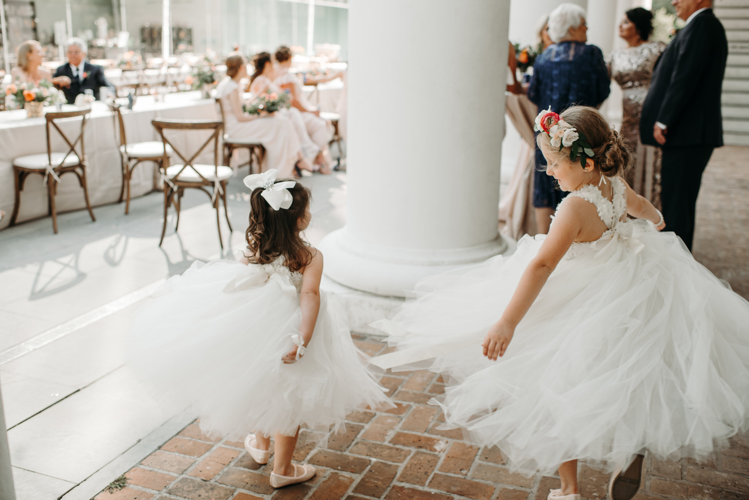 Southern Fete, Southern Wedding, Flower girls, Hannah Mulligan Photography, Paul and Lulu Hilliard Art Museum