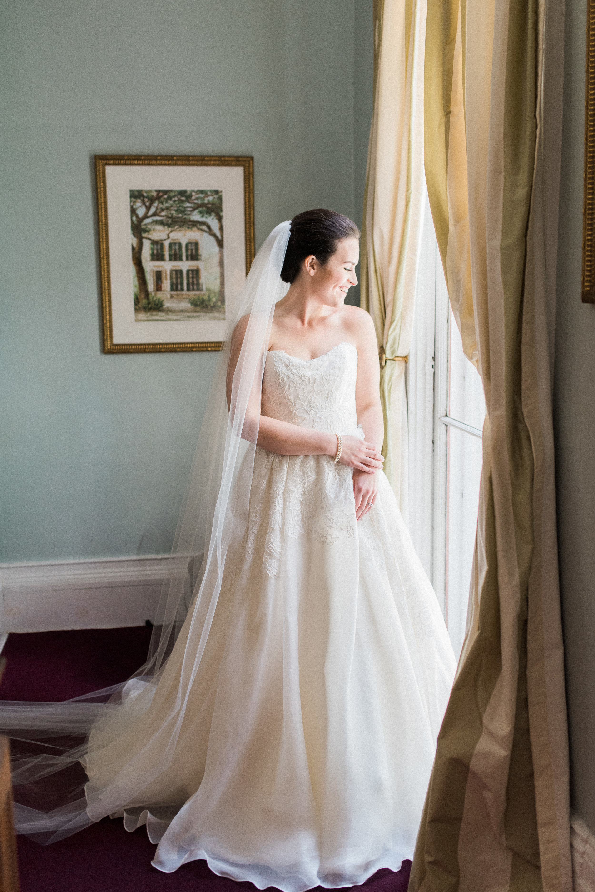 Southern Fete, Southern Wedding, Bride in her wedding dress, Lindsey Rogers Photography