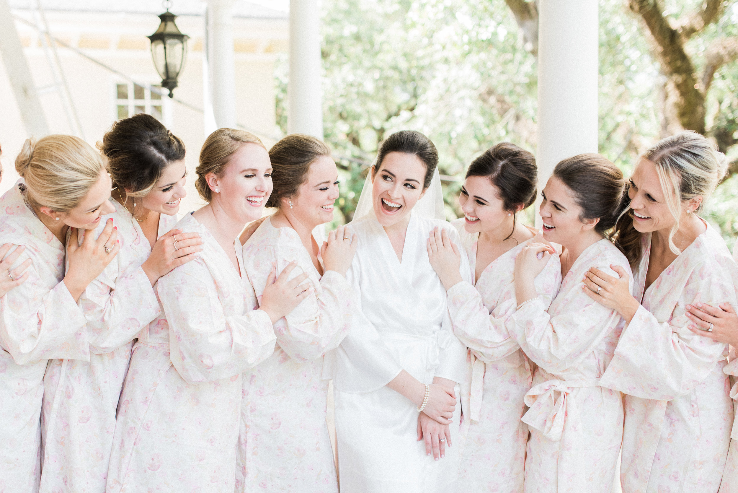 Southern Fete, Southern Wedding, Bride and Bridesmaids, Lindsey Rogers Photography