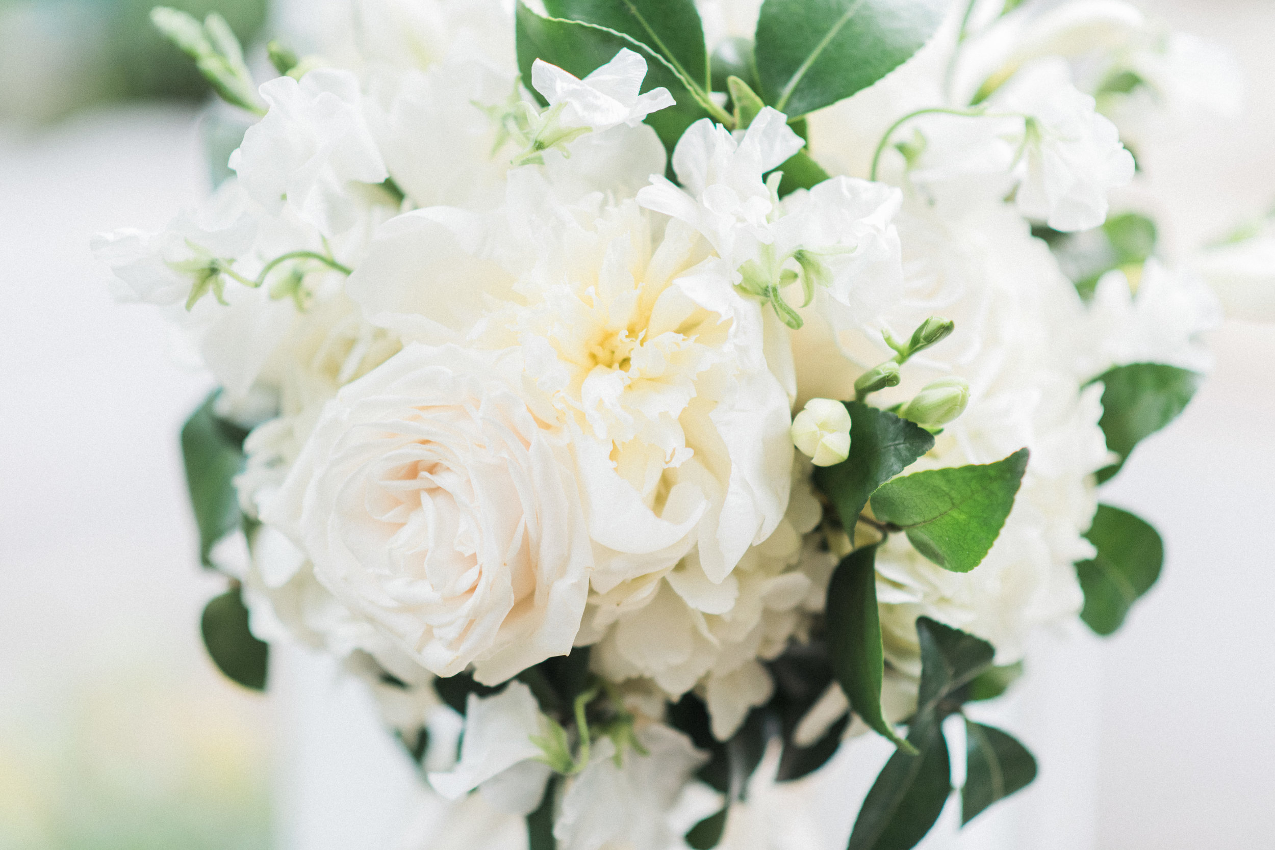 Southern Fete, Southern Wedding, Lindsey Rogers Photography, White and Green Flower Bouquet, Palate