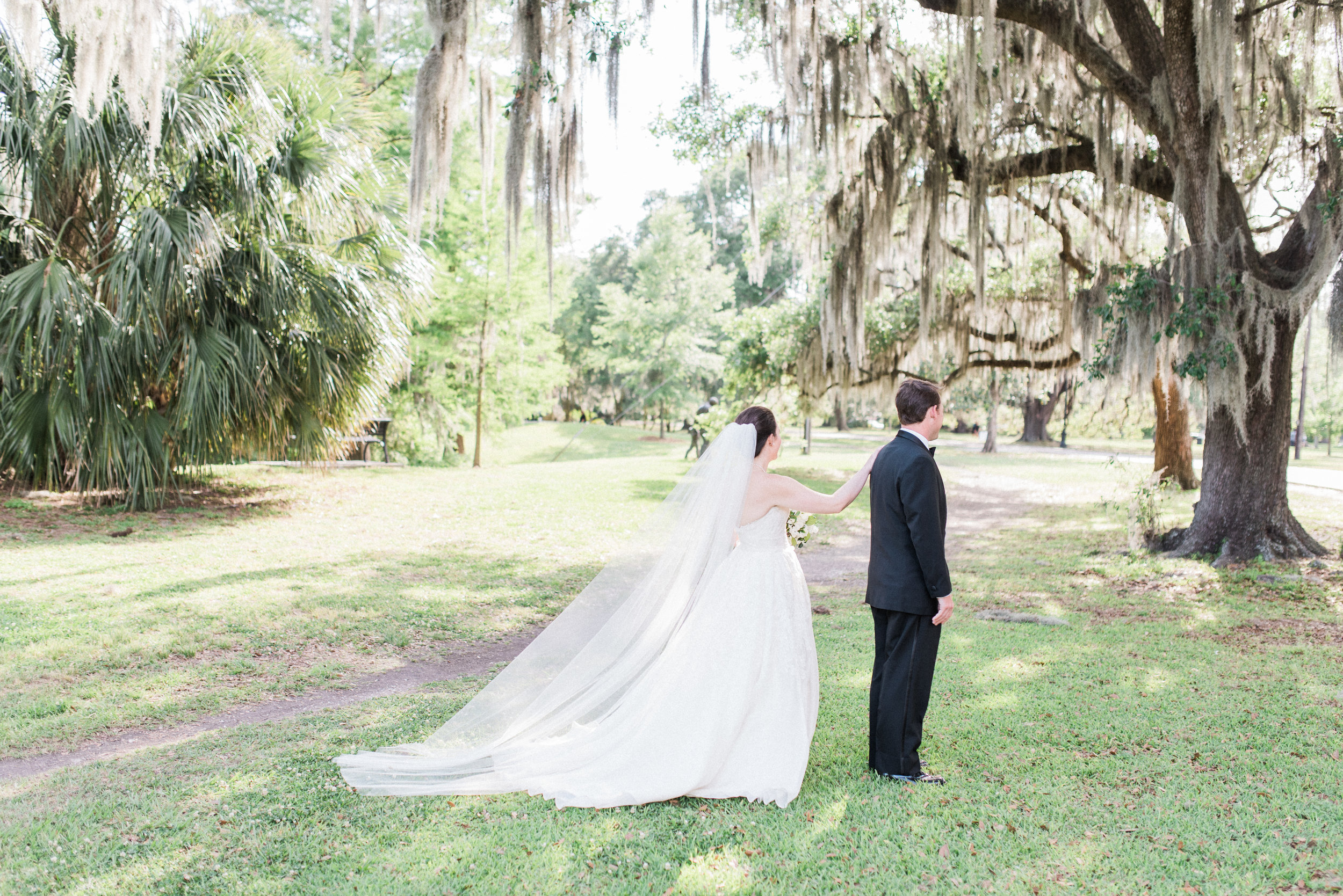 Southern Fete, Southern Wedding, Bride and Groom first look, Lindsey Rogers Photography