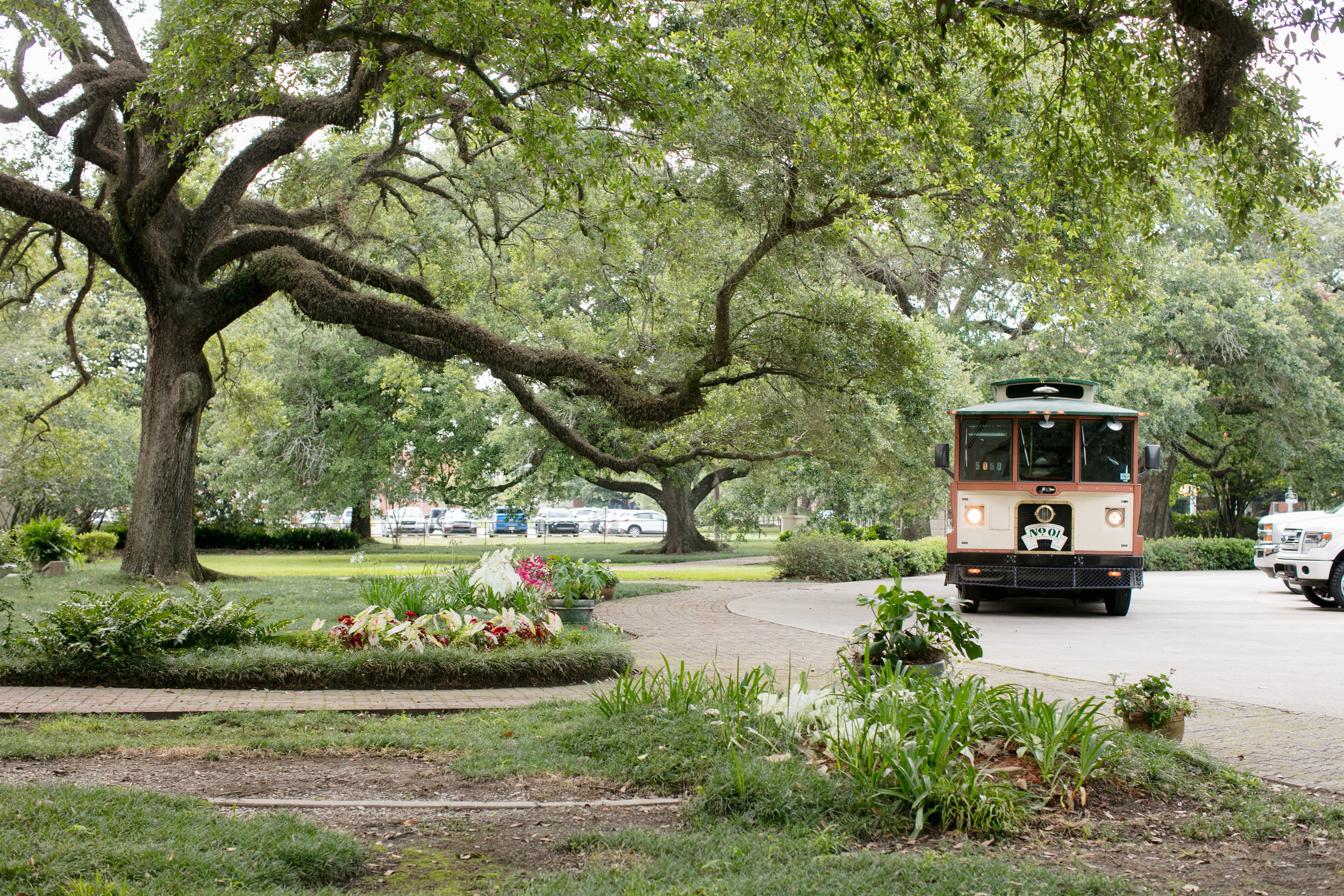 Southern Fete, Southern Wedding, Trolley, Brocato Photography