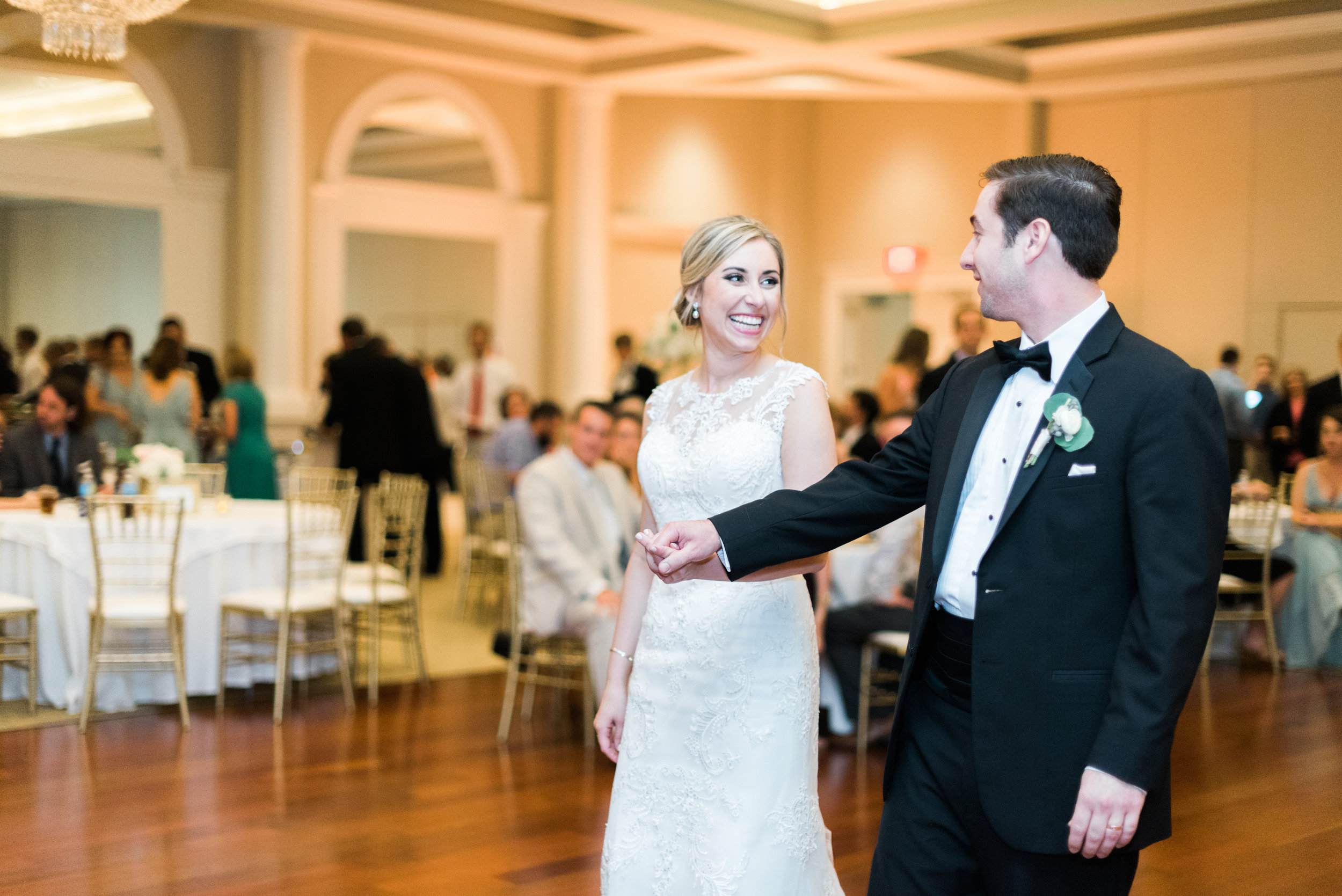 Southern Fete, Southern Wedding, Bride and Groom First Dance, Le Pavillon, Crescent City Soul, Sarah Beth Photography