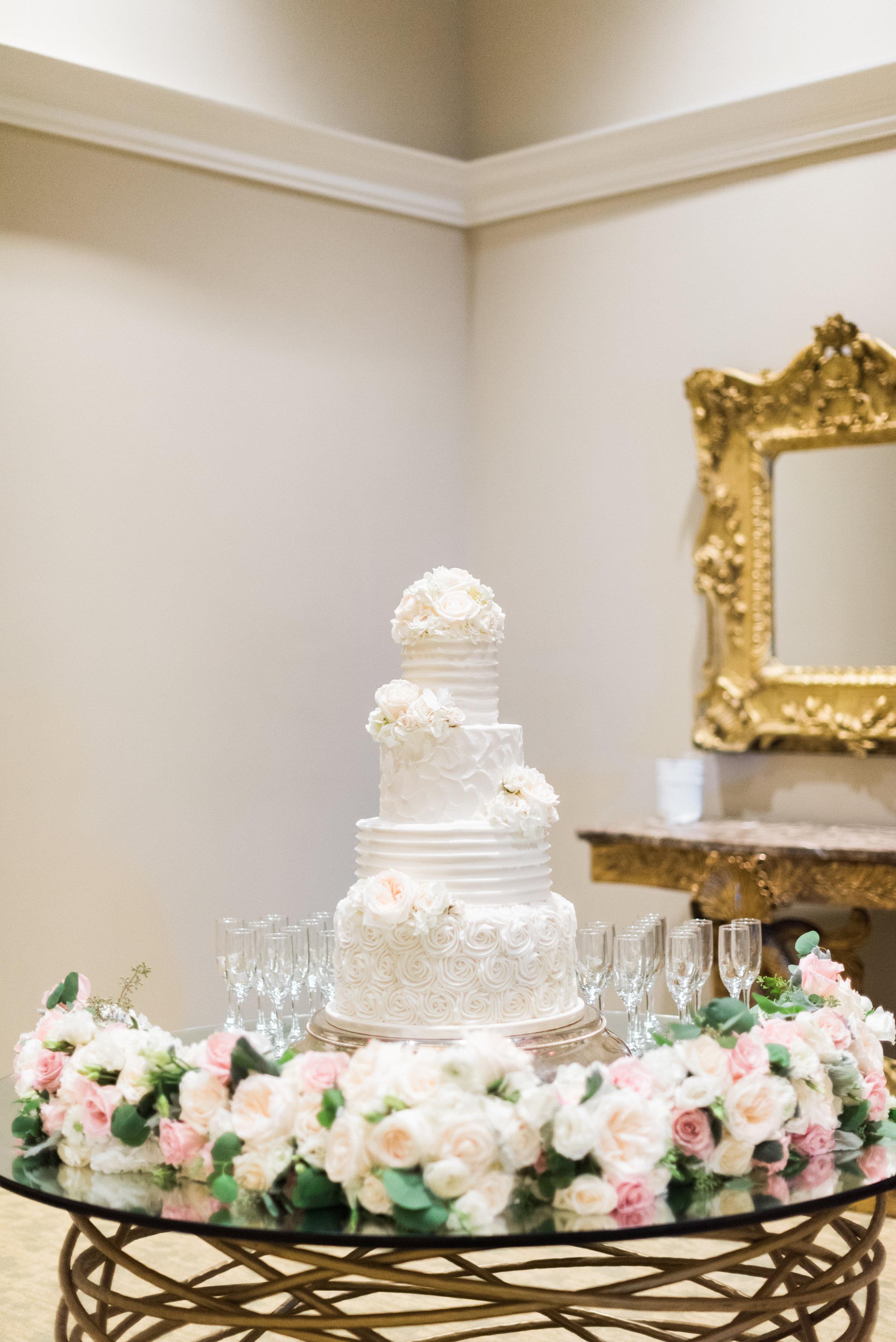 Southern Fete, Southern Wedding, Wedding Cake, Flowers by Rodney, Crystal Weddings, Le Pavillon