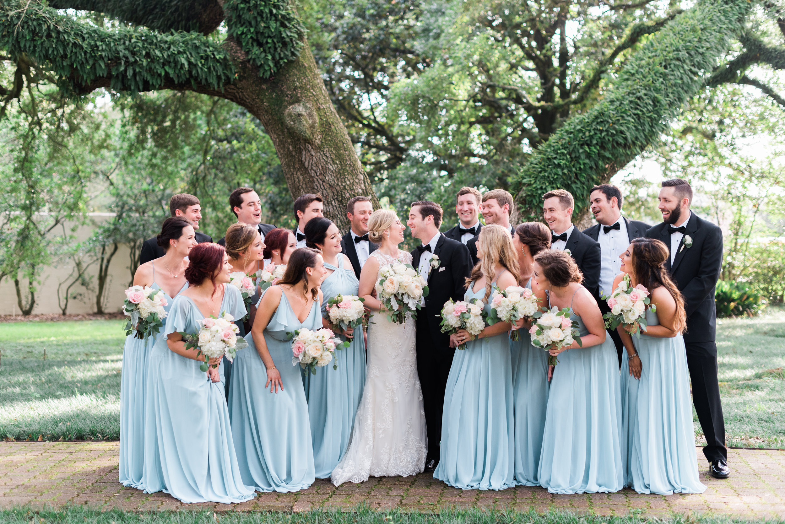 Southern Fete, Southern Wedding, Bridal Party, Sarah Beth Photography, Flowers by Rodney, Baby Blue Bridesmaid dresses