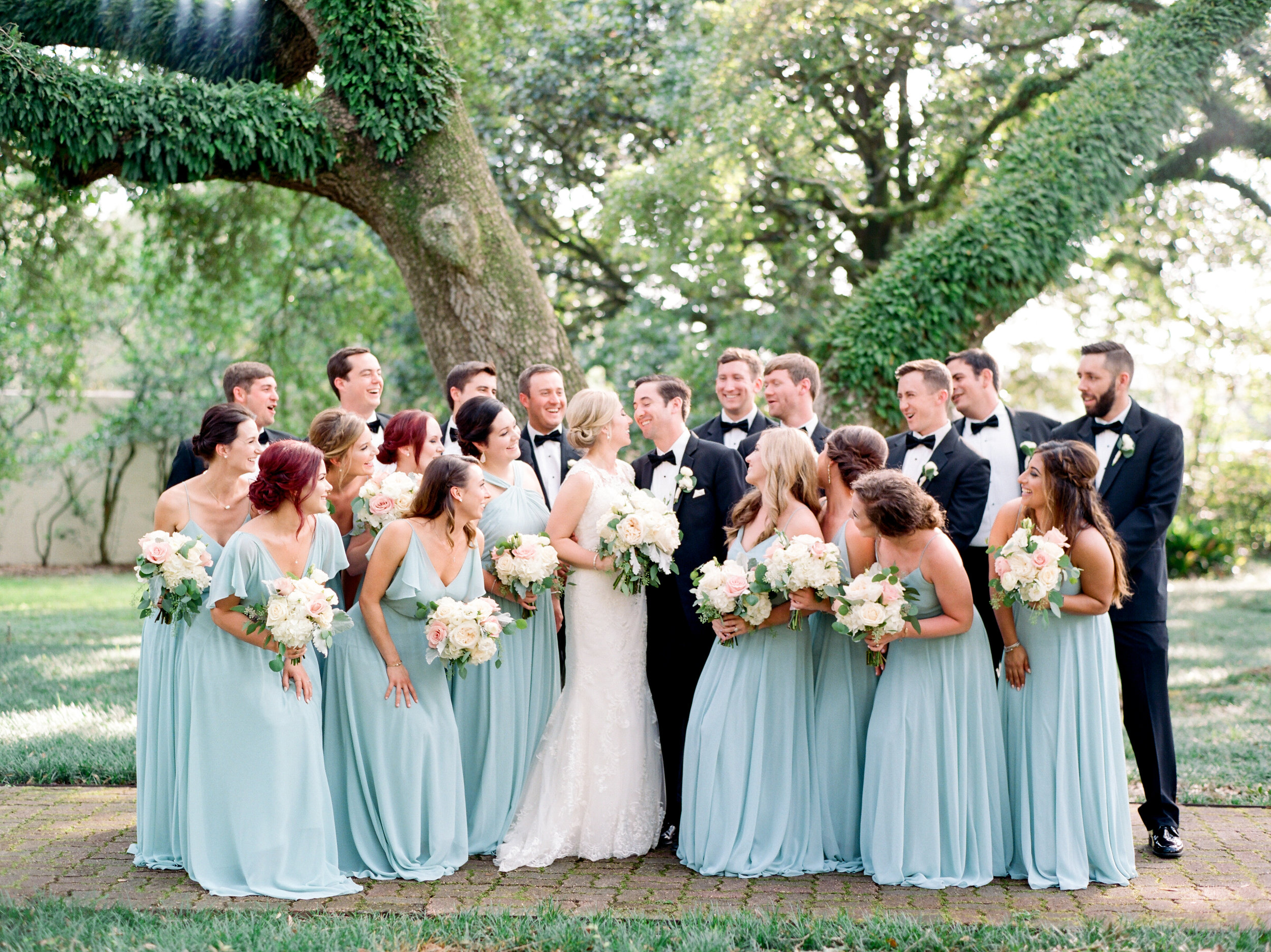 Southern Fete, Southern Wedding, Bridal Party, Sarah Beth Photography, Flowers by Rodney