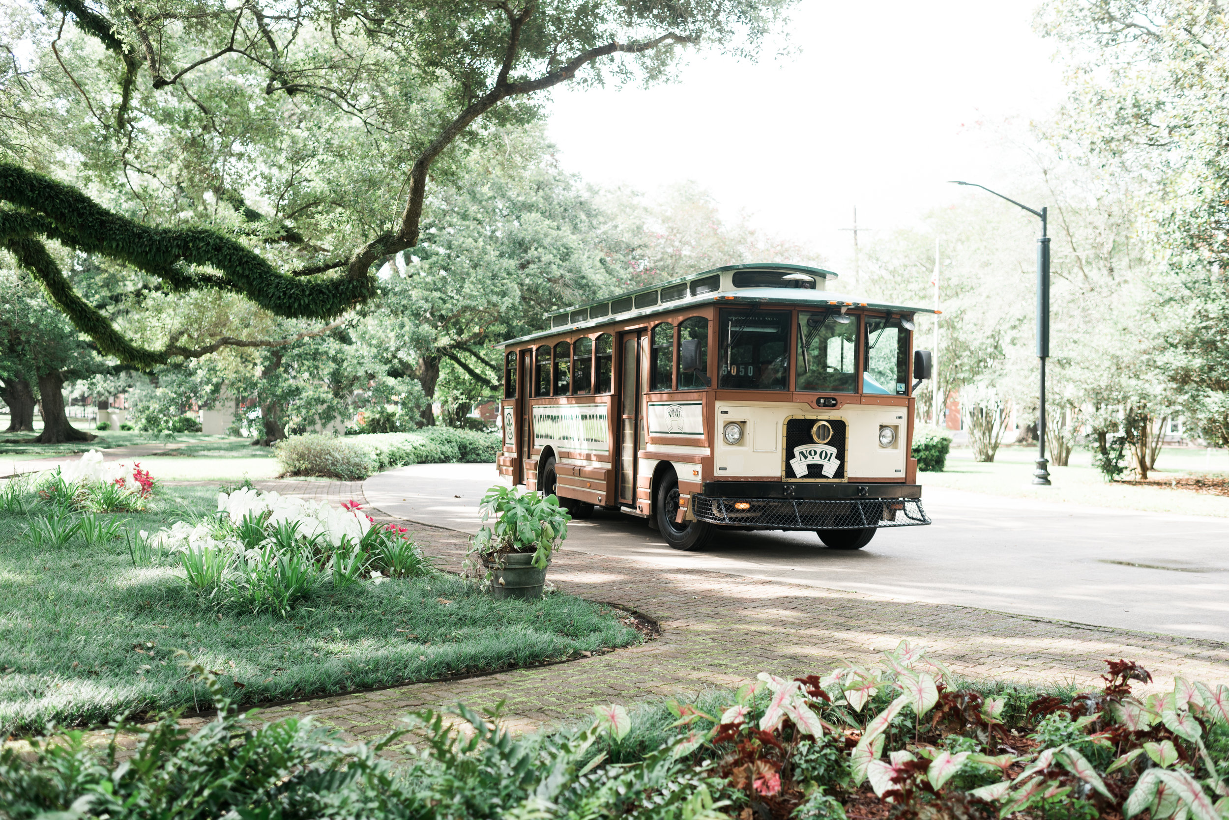 Southern Fete, Southern Wedding, Trolley, Sarah Beth Photography