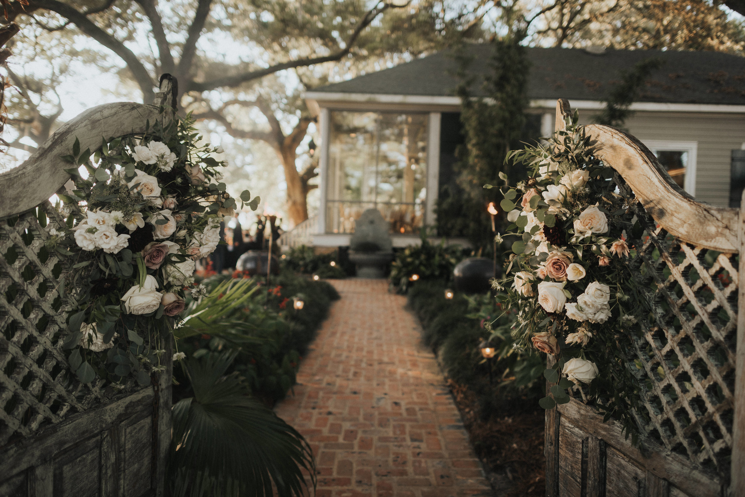 Southern Fete, Southern Wedding, Flowers, Wedding entry