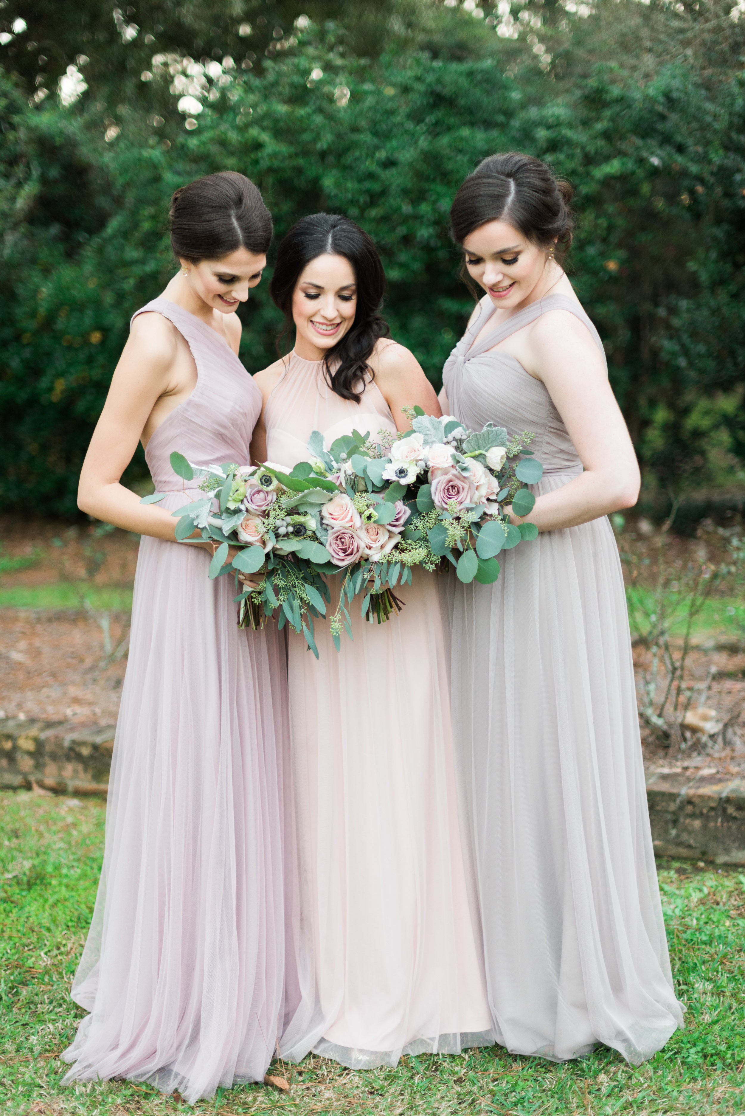 Southern Fete, Southern Wedding, Bridesmaids' dresses, Flower Bouquet