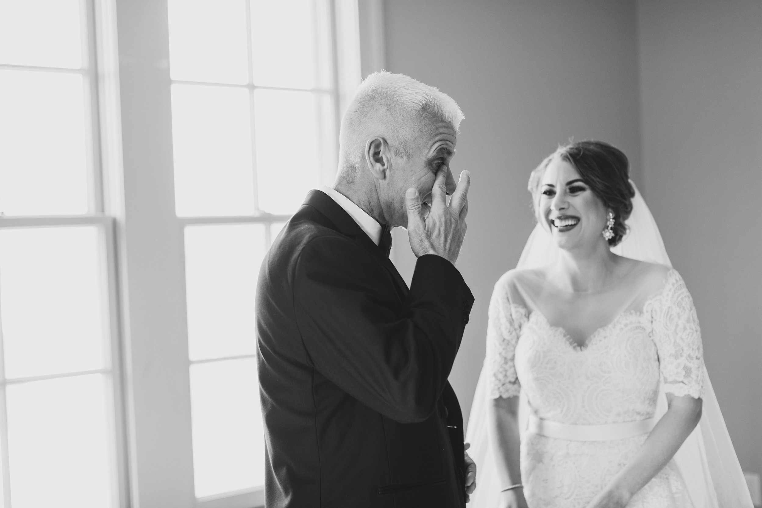 Southern Fete, Southern Wedding, Bride and her Father share a moment, Kimbrali Photography