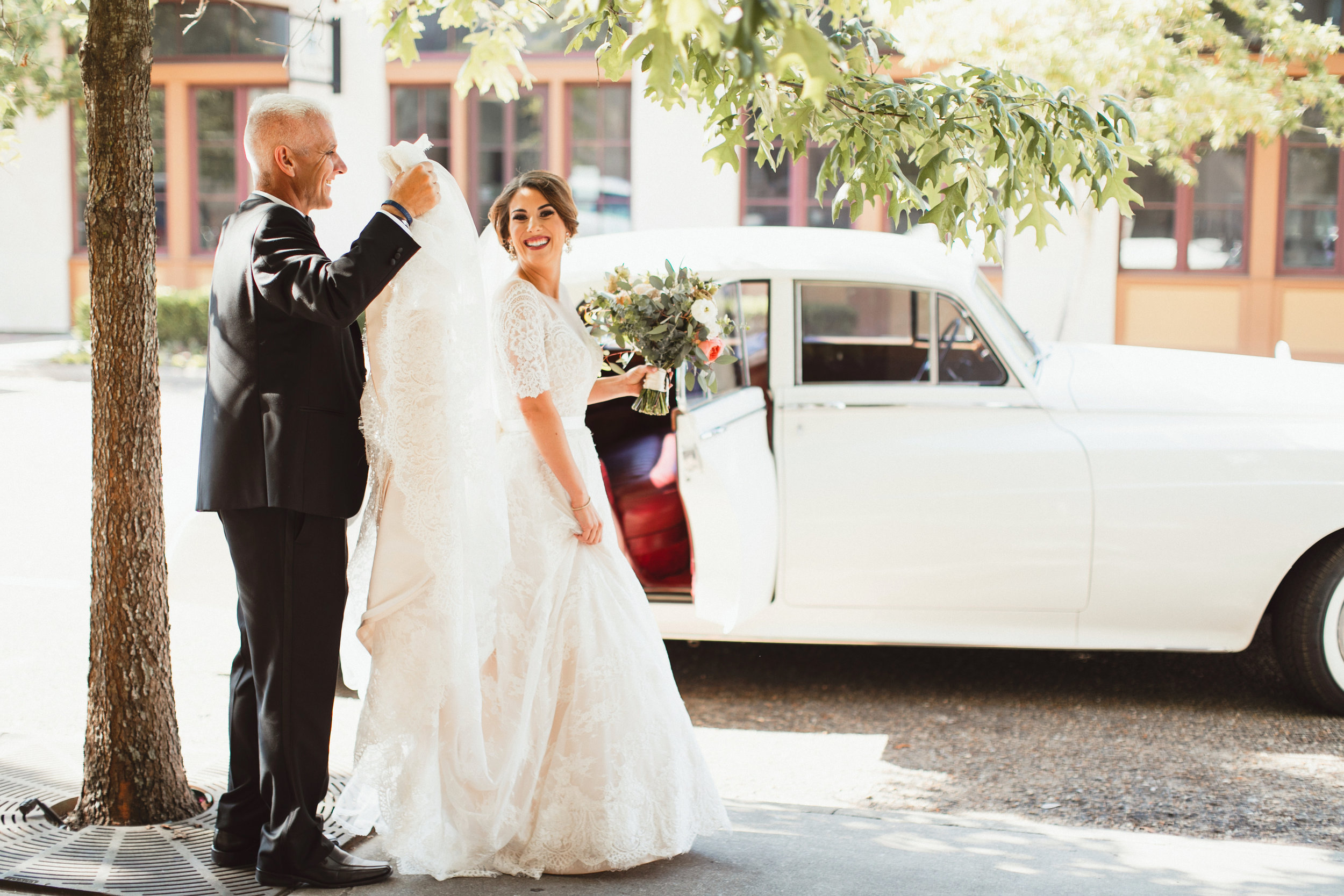 Southern Fete, Southern Wedding, Root Floral Design, Bride and her Father, Kimbrali Photography