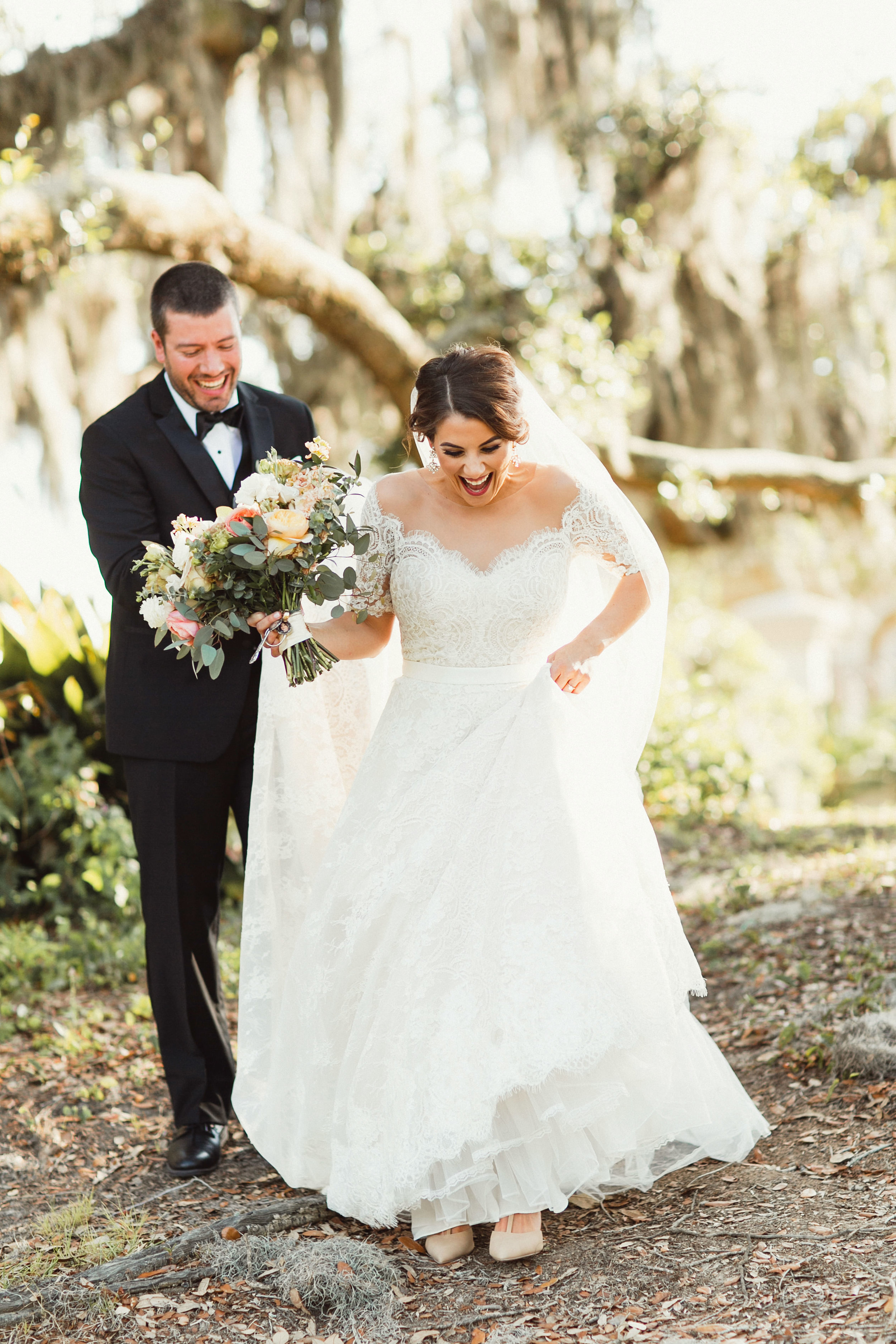 Southern Fete, Southern Wedding, Bride and Groom, Root Floral Design, Kimbrali Photography