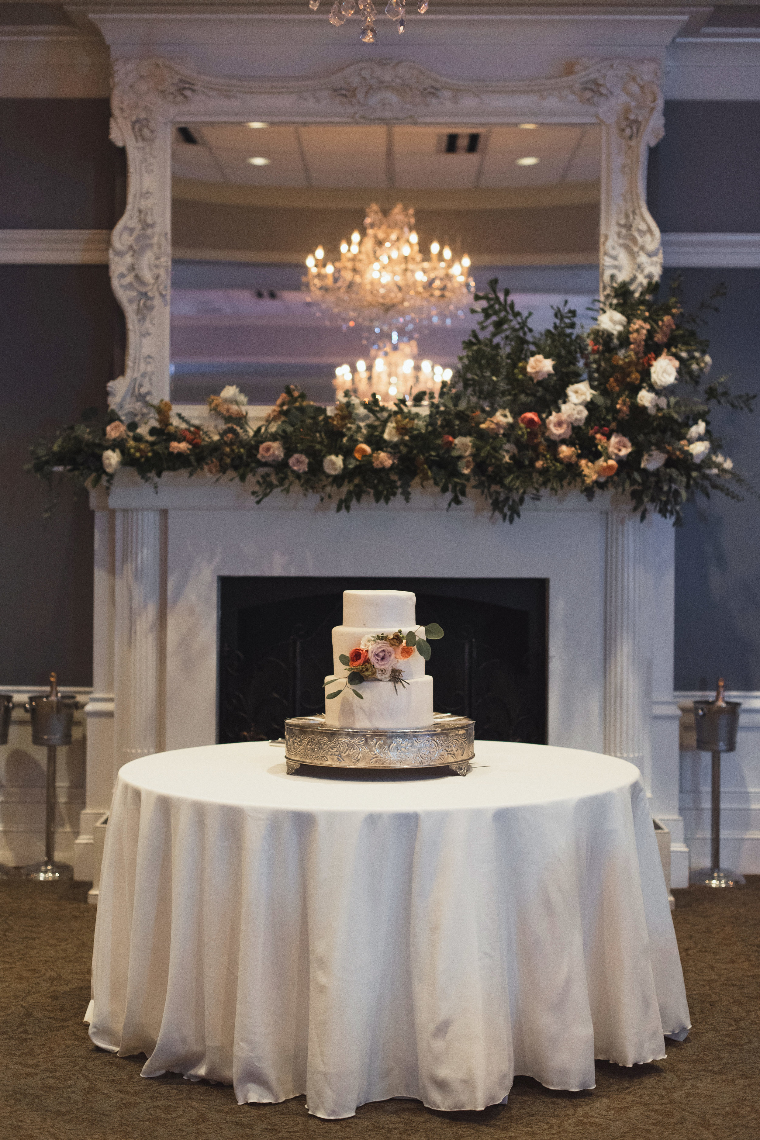 Southern Fete, Southern Wedding, Courtney Dugas Cakes, Kimbrali Photography
